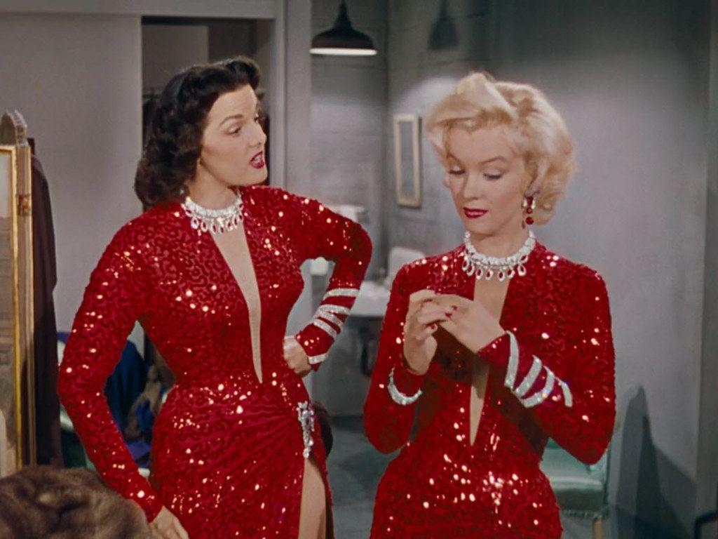 Zvijezda u crvenom: Statement komadi u crvenoj boji fantastičan su odabir za blagdansku sezonu