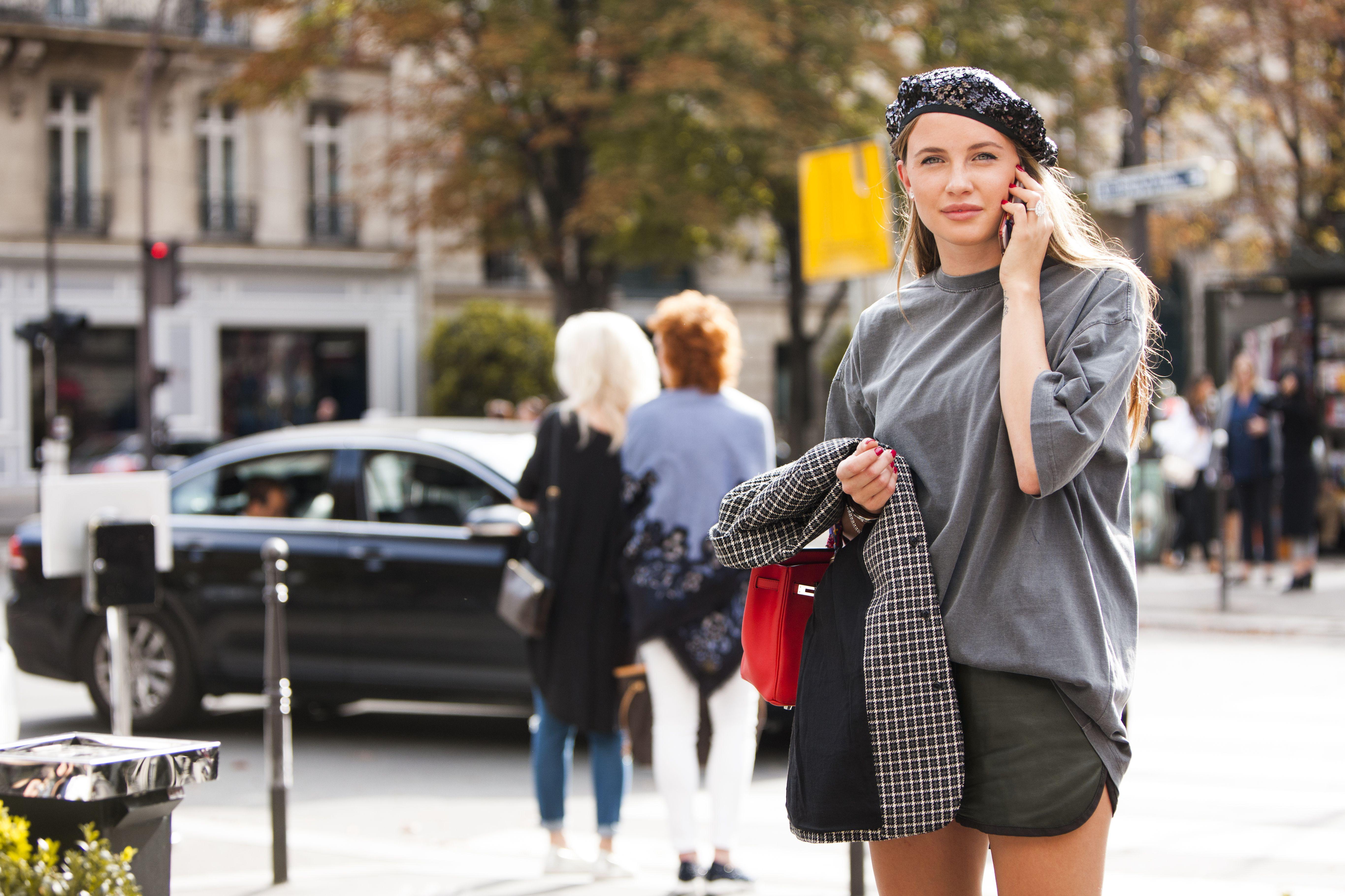 Neopterećena, jednostavna i šarmantna: Inspirirajte se ovom chic ljepoticom!