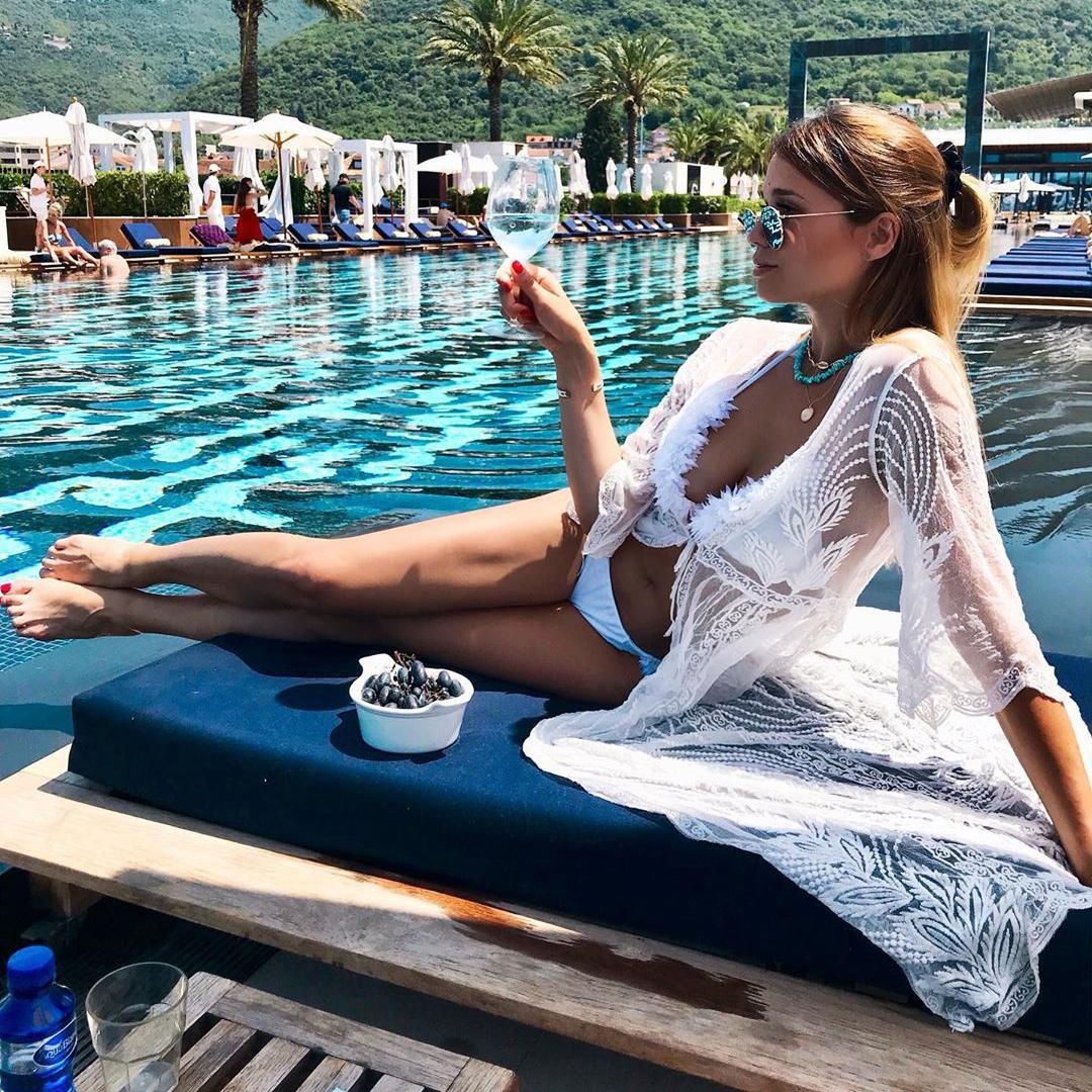 Lijepa blogerica iz Srbije nosi upečatljive kupaće kostime koji su hit sezone