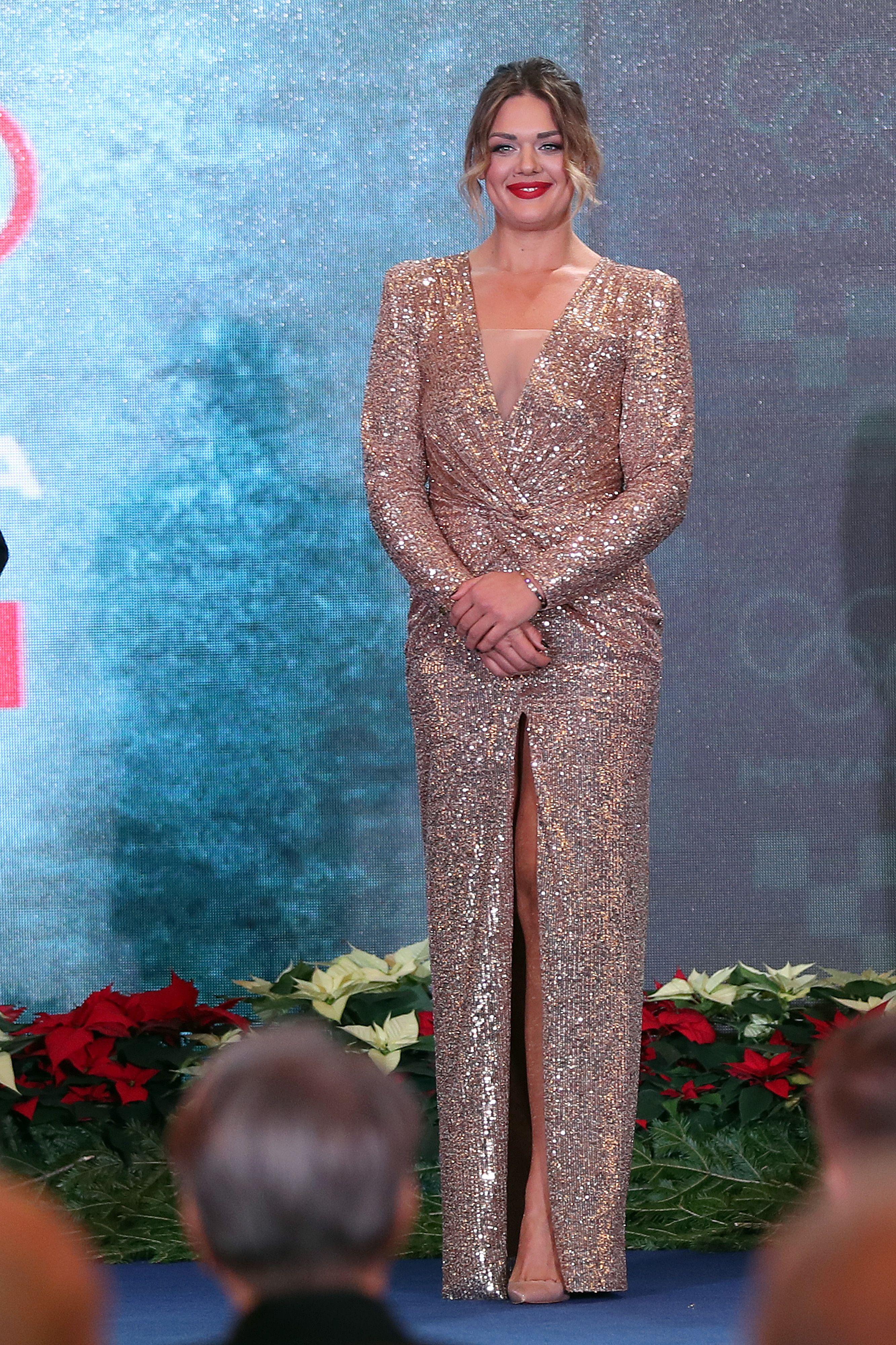 Duboki dekolte i visoki prorez na haljini: Sandra Perković pokazala elegantno, ali jako izazovno izdanje
