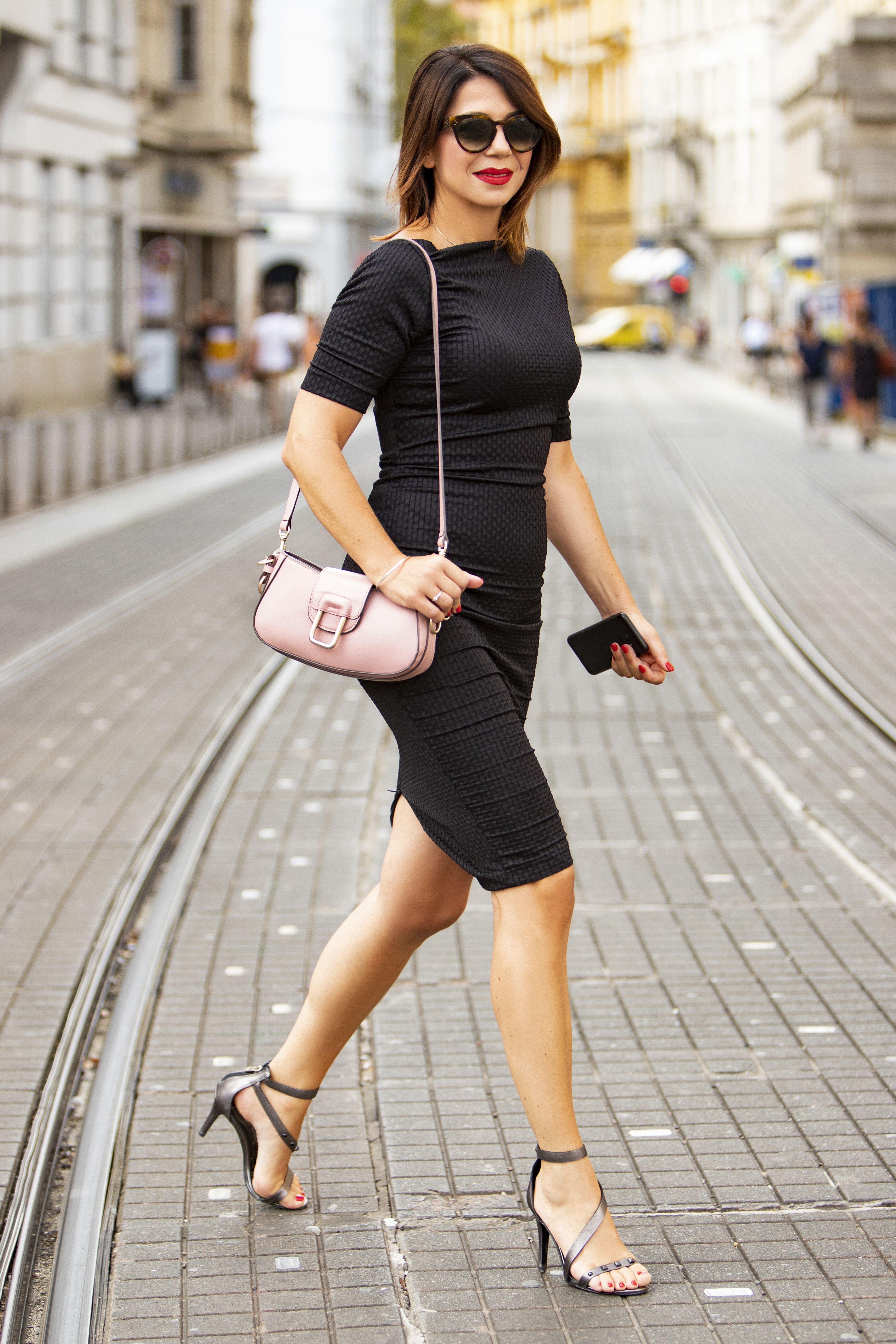Dama sa stilom za čistu peticu: 'Obožavam male crne haljine, to je uvijek dobitna kombinacija'
