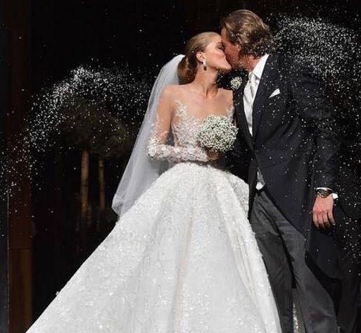 Kako izgleda haljina prekrivena kristalima vrijedna 700 tisuća eura?