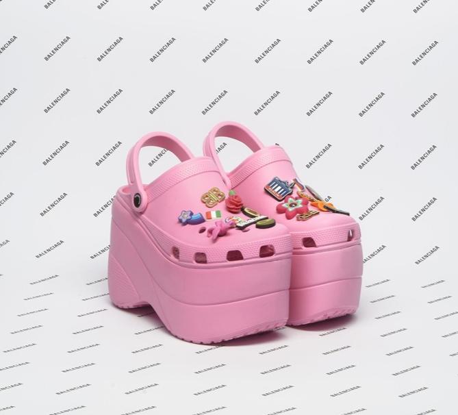 """Ove Balenciagine """"Crocsice"""" rasprodane su prije nego što su puštene u prodaju!"""
