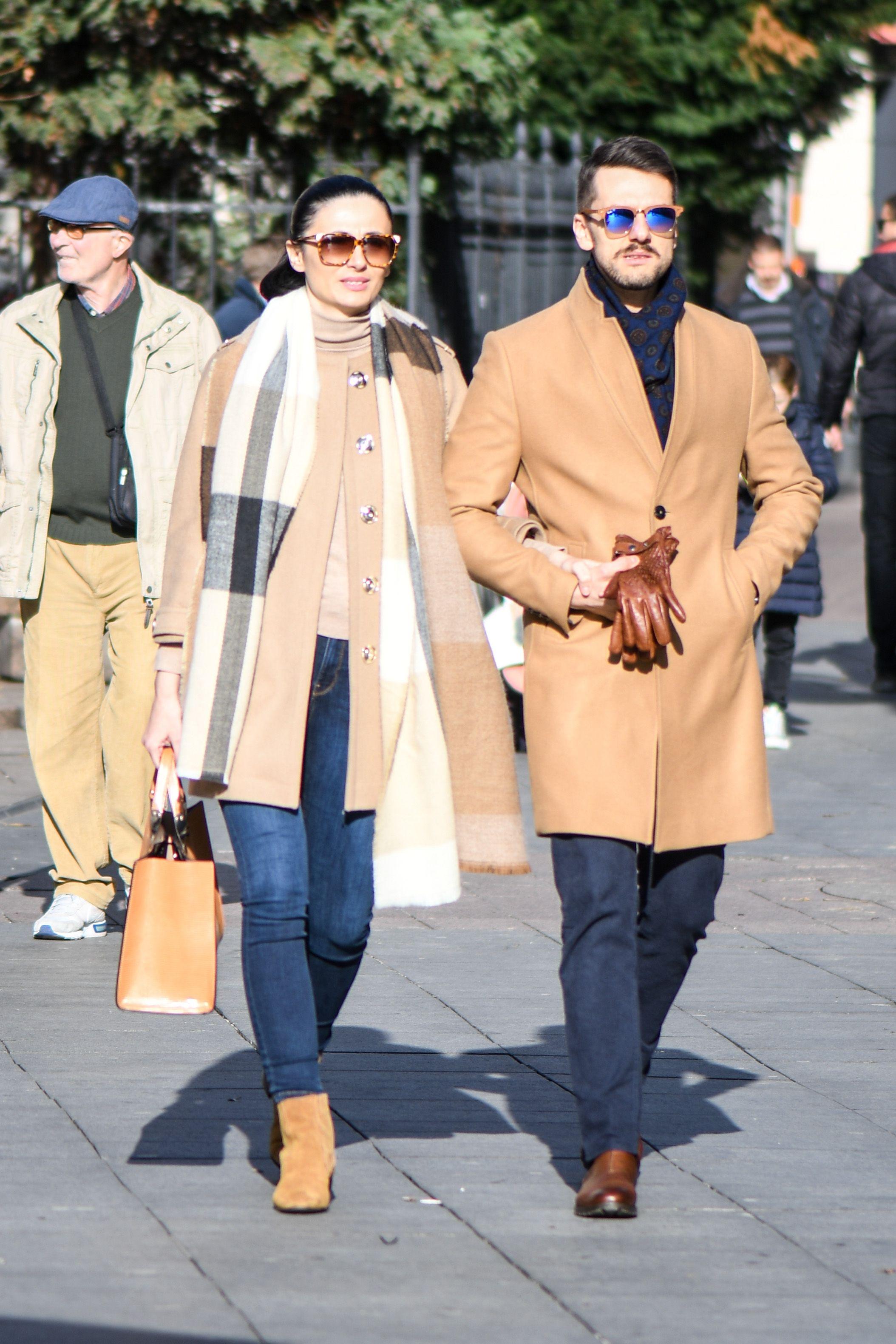 Zgodni par istaknuo se na špici svojim elegantnim i bojama usklađenim outfitima