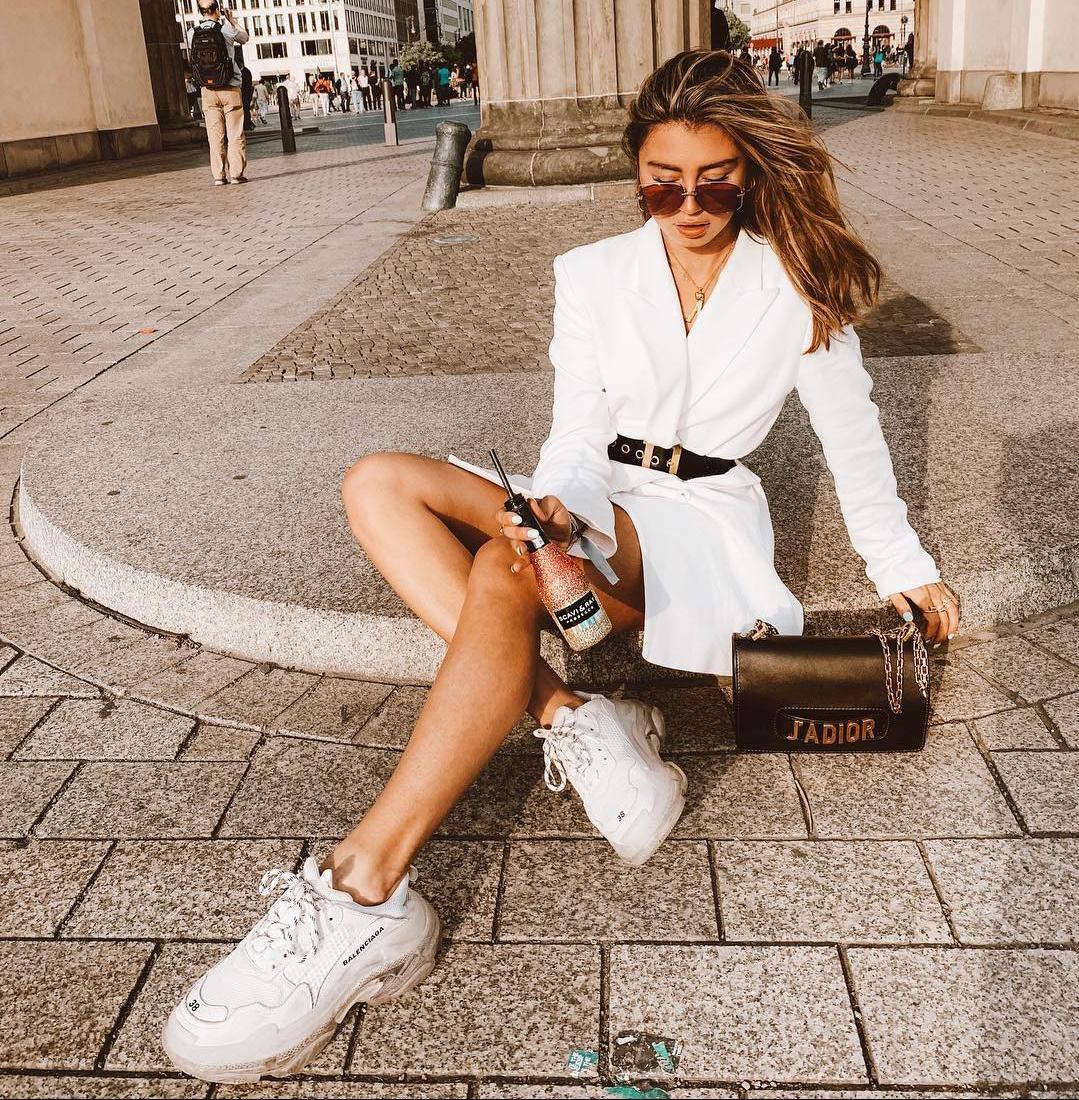 Velike bijele tenisice: Trend koji obožavaju it-djevojke