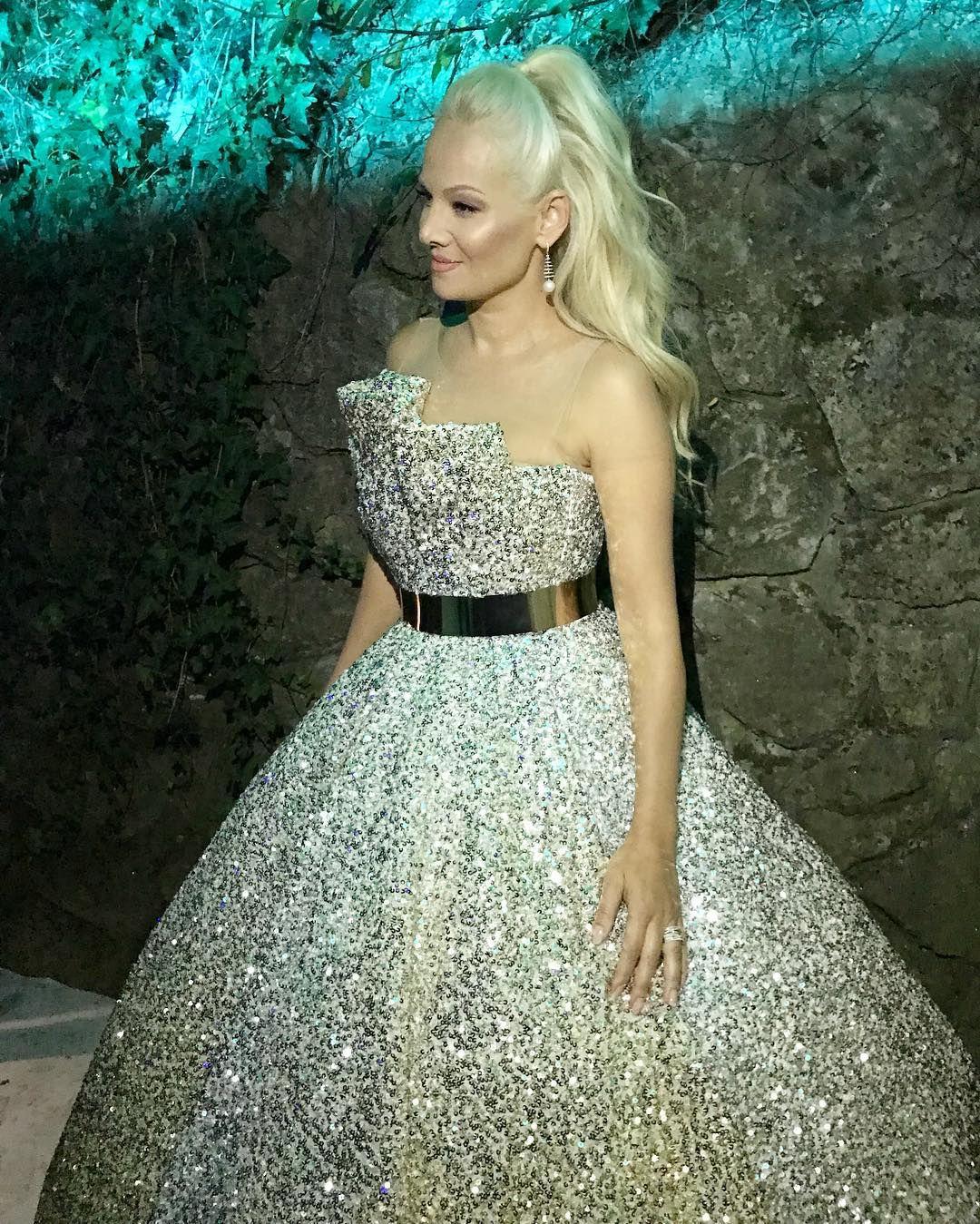 Srpska pjevačica zaludila Instagram fantastičnom svjetlucavom haljinom