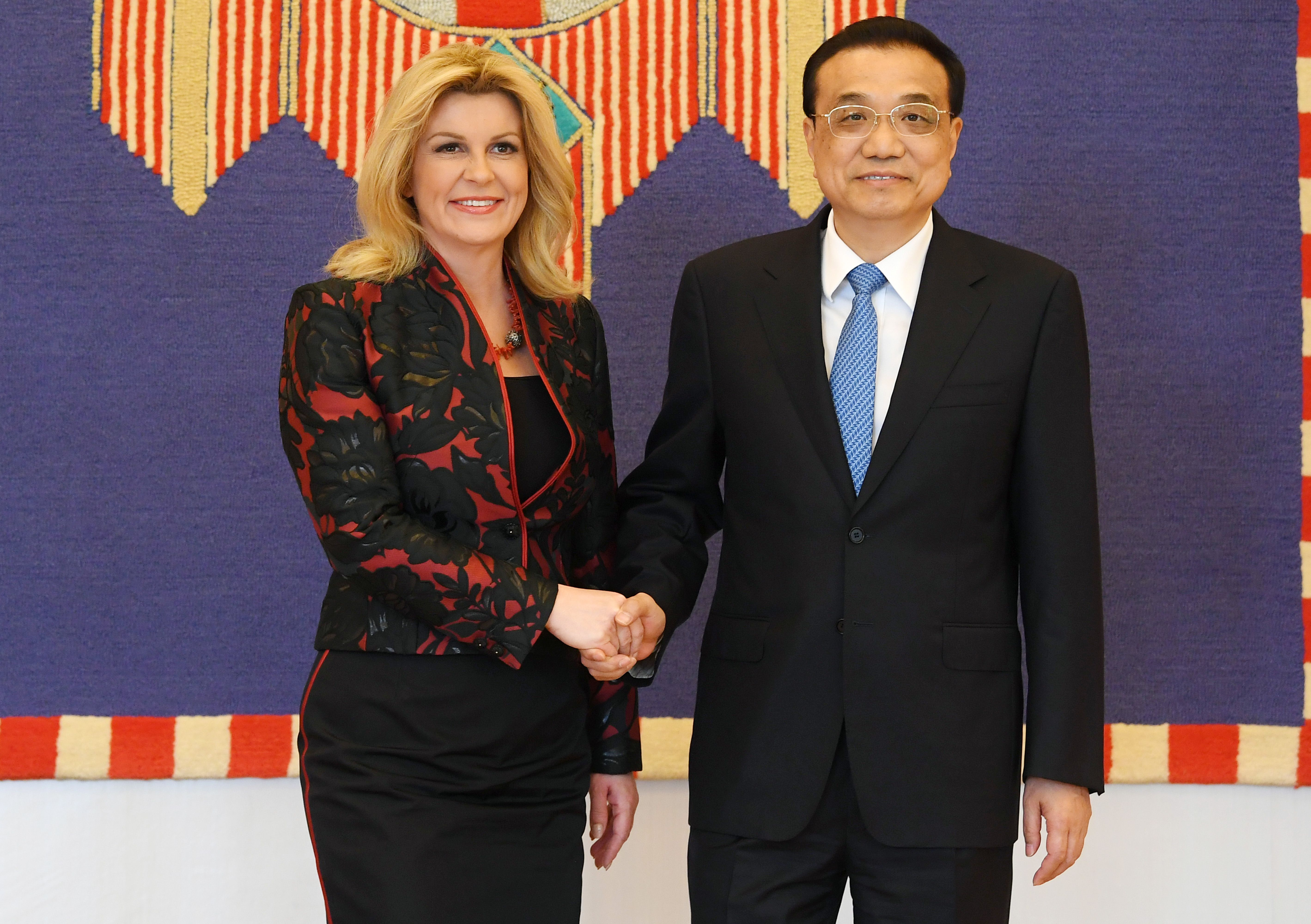 Kolinda Grabar Kitarović za susret s kineskim premijerom nosi hrvatski dizajn