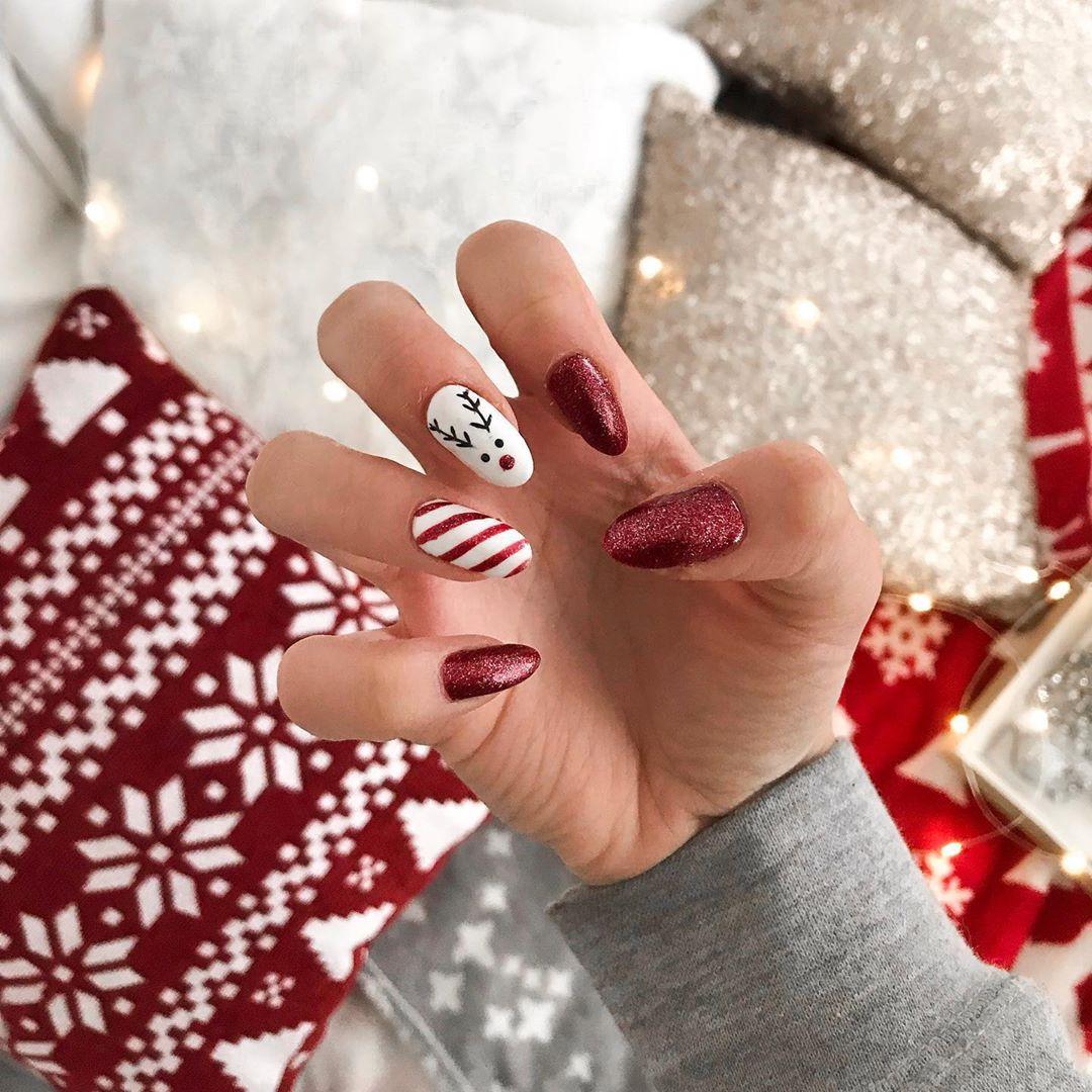 Sve je 'festive' pa i nokti! Ovih blagdana odvažite se na najmaštovitije manikure
