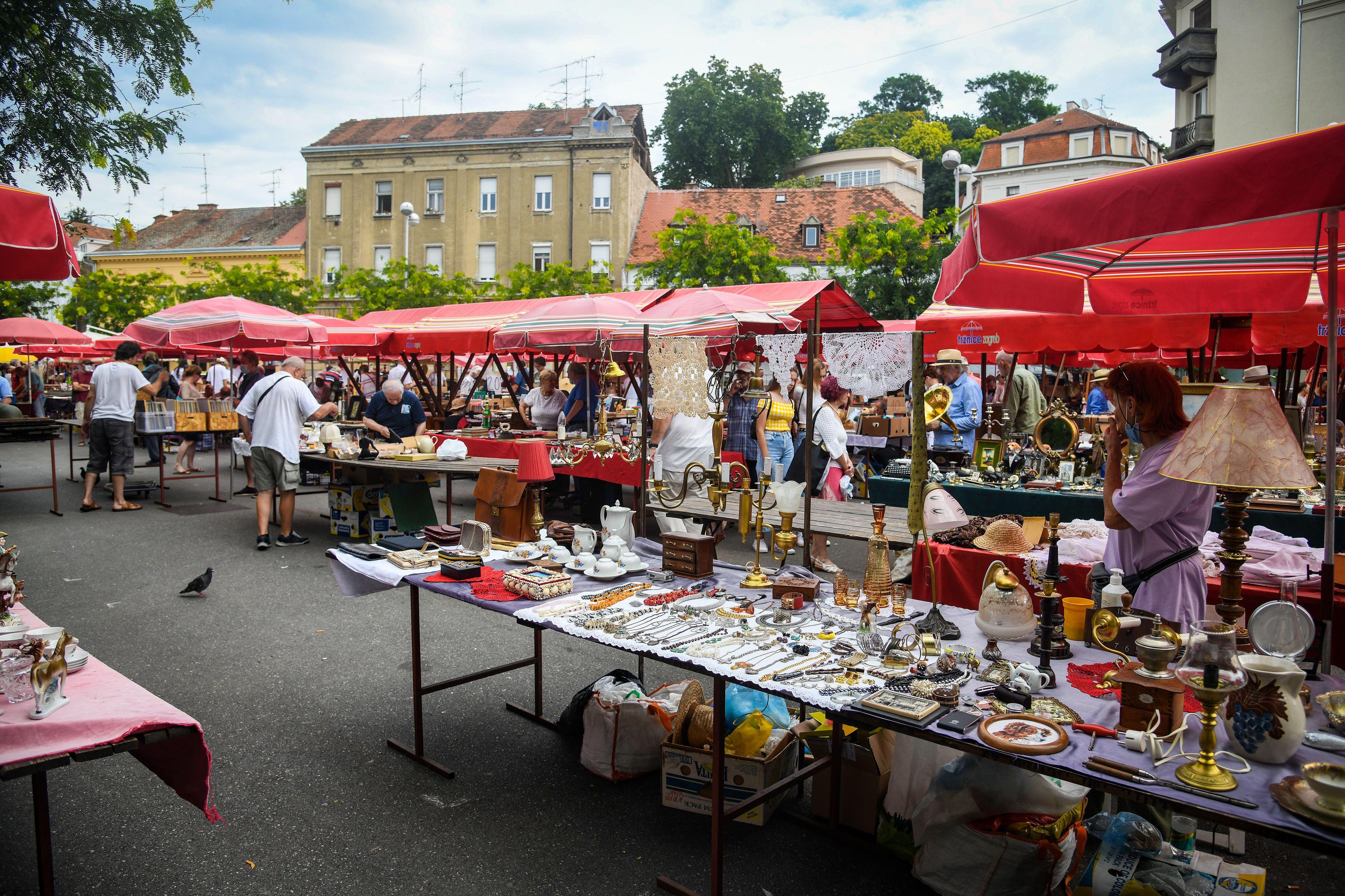 Priča s Britanca: Bili smo na nedjeljnom sajmu i razgovarali s izlagačima - prodaja ide loše, nedostaju turisti...