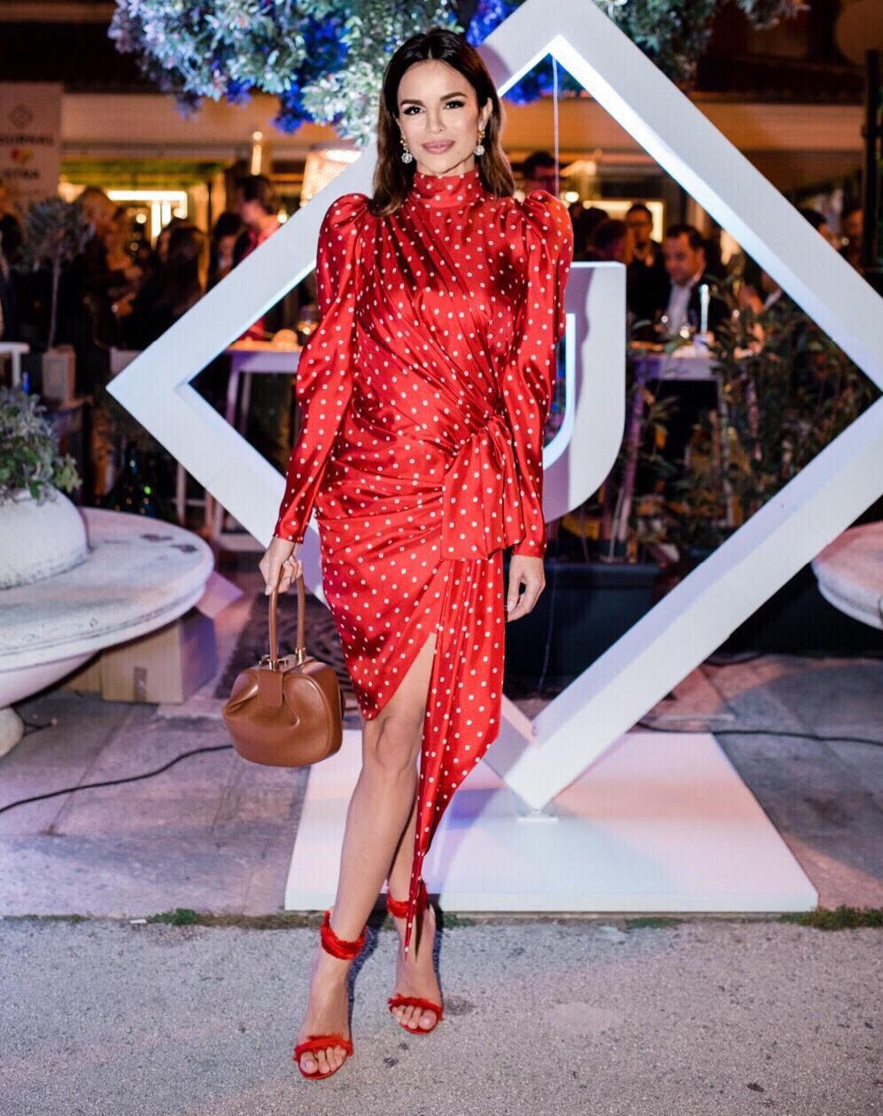 Dama u crvenom: Severina zablistala u točkastoj haljini koja joj stoji savršeno