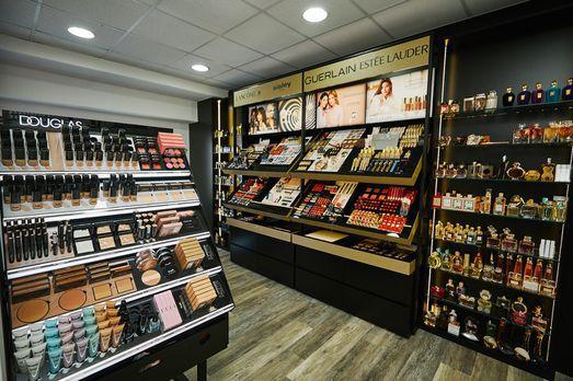 Posebne mjere opreza u domaćim parfumerijama: Nema usluge šminkanja, testeri uklonjeni s polica