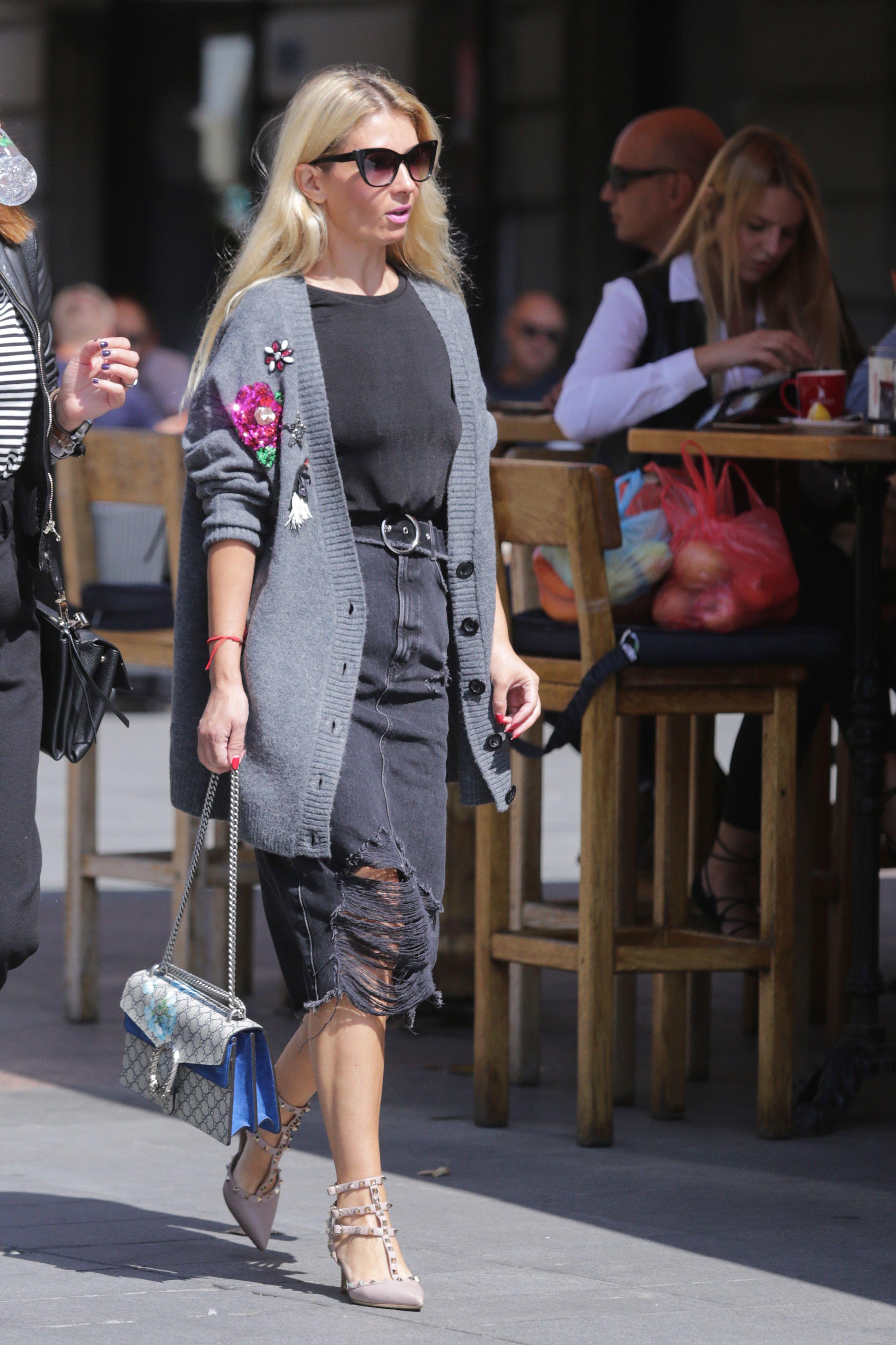 Zanimljivu odjevnu kombinaciju upotpunila vrtoglavo skupim cipelama i torbom