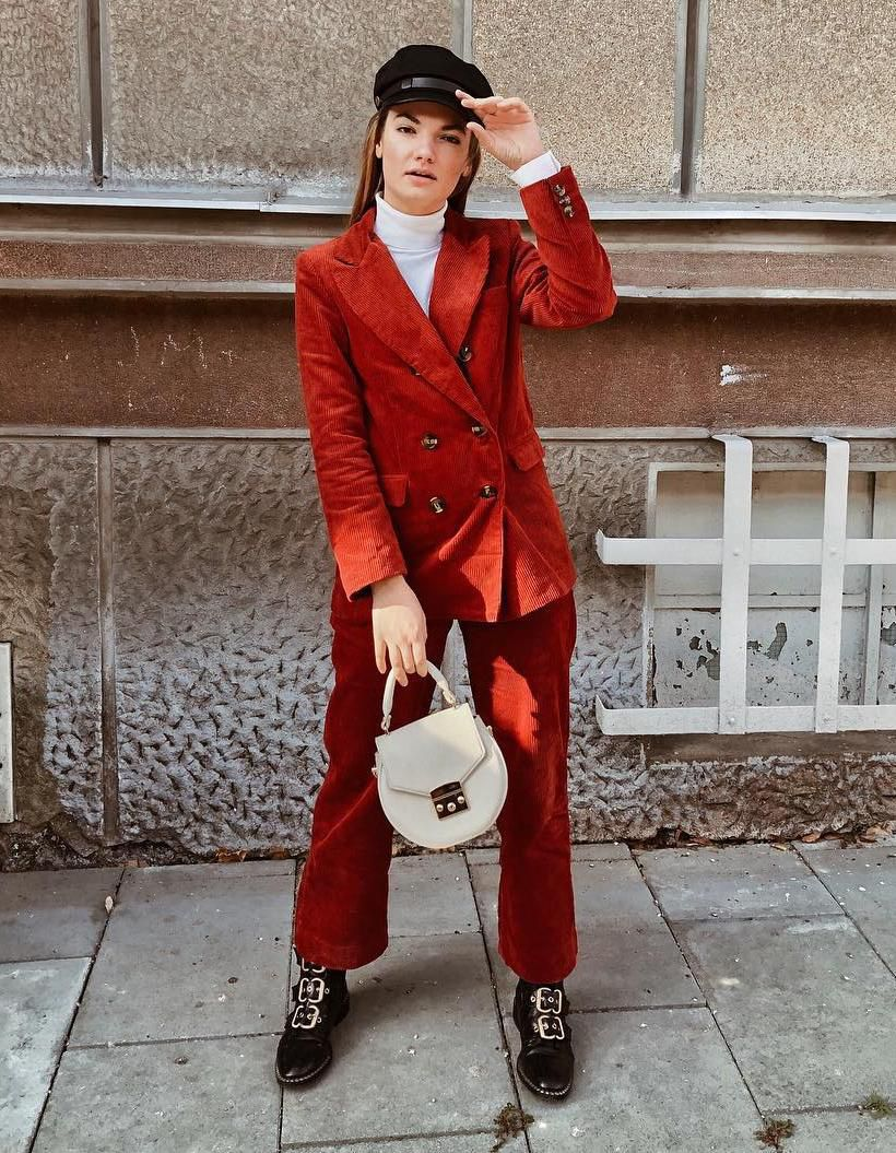 Curama je poštarska kapica i dalje najdraži modni dodatak, a ovo su naše omiljene kombinacije
