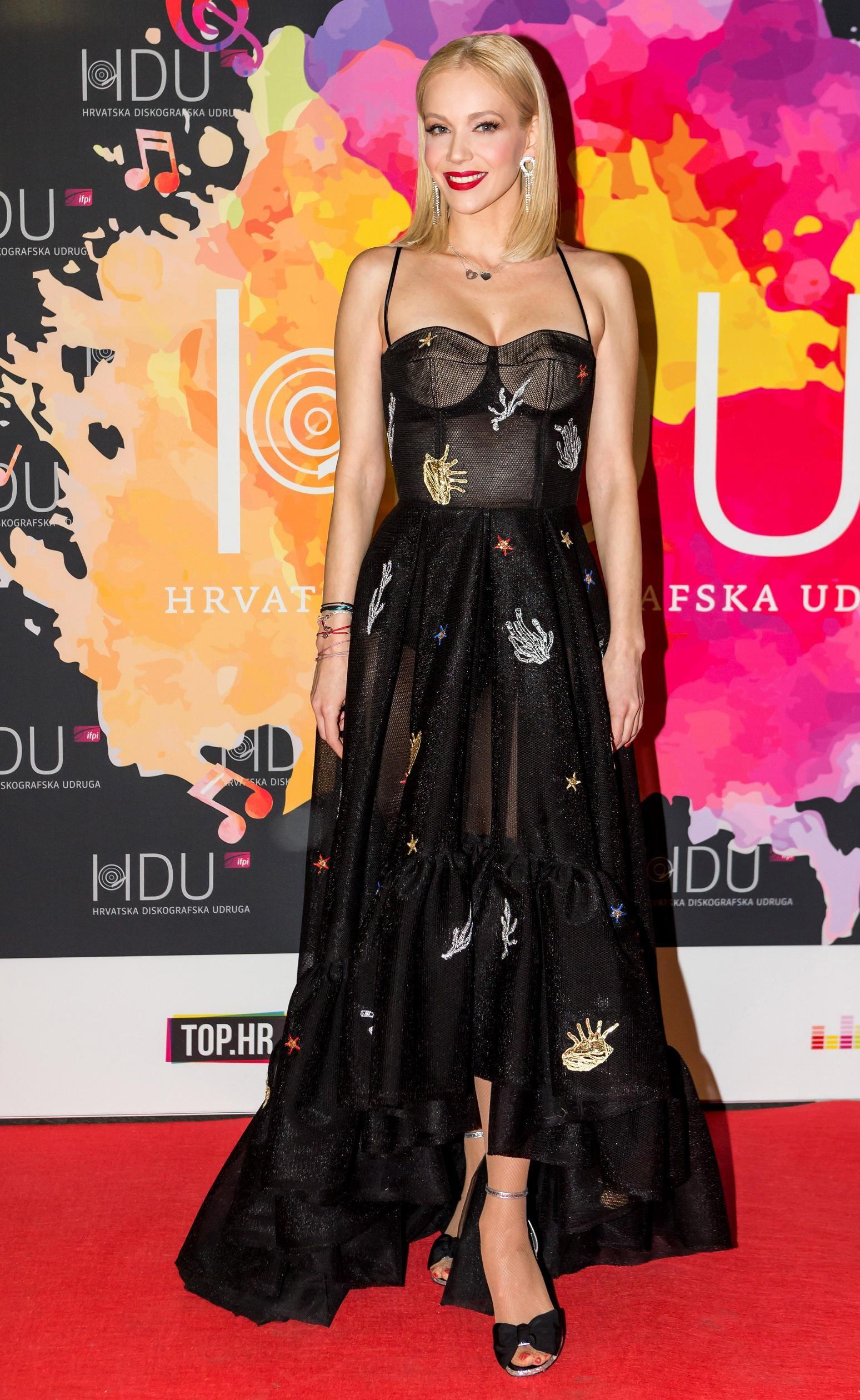 Jelena Rozga: Tri fantastične haljine i cipele od 4000 kuna