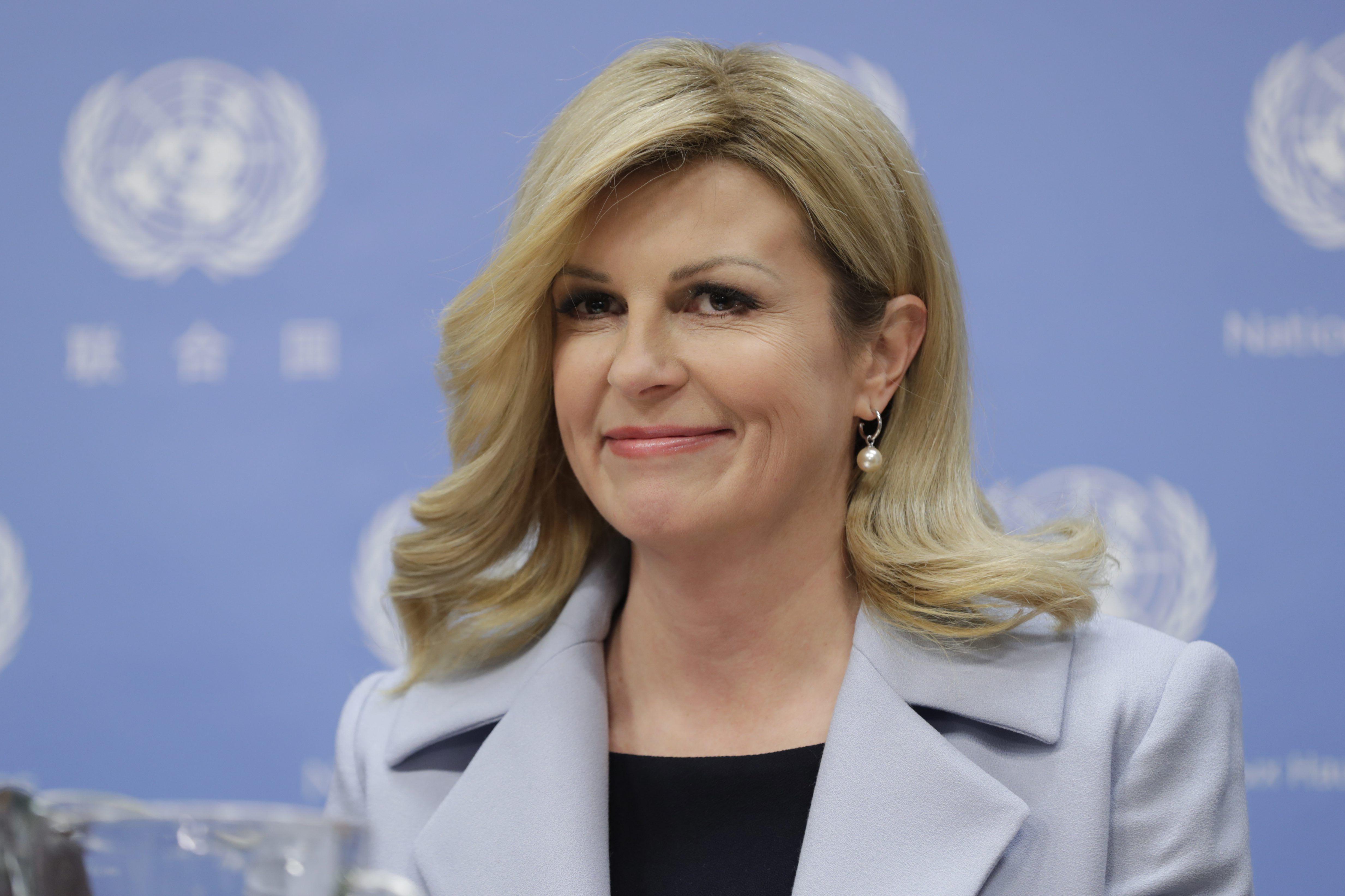 Modno osvježenje: Kolinda Grabar Kitarović u hit boji i s mladenačkom frizurom