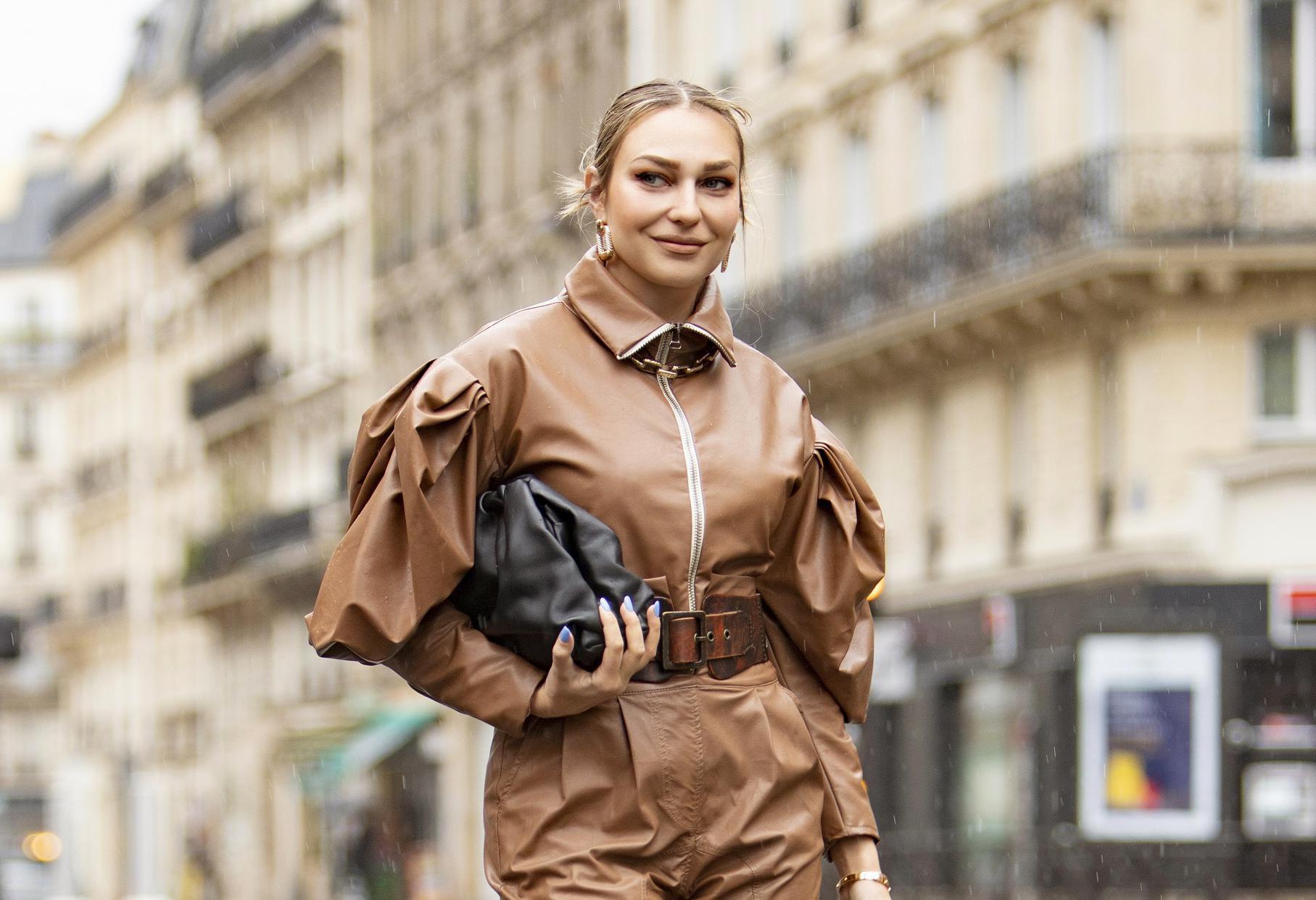 I blogerica Sonja Kovač u kolekciju je dodala najpopularniju ovosezonsku torbu The Pouch od čije će vam se cijene zavrtjeti u glavi