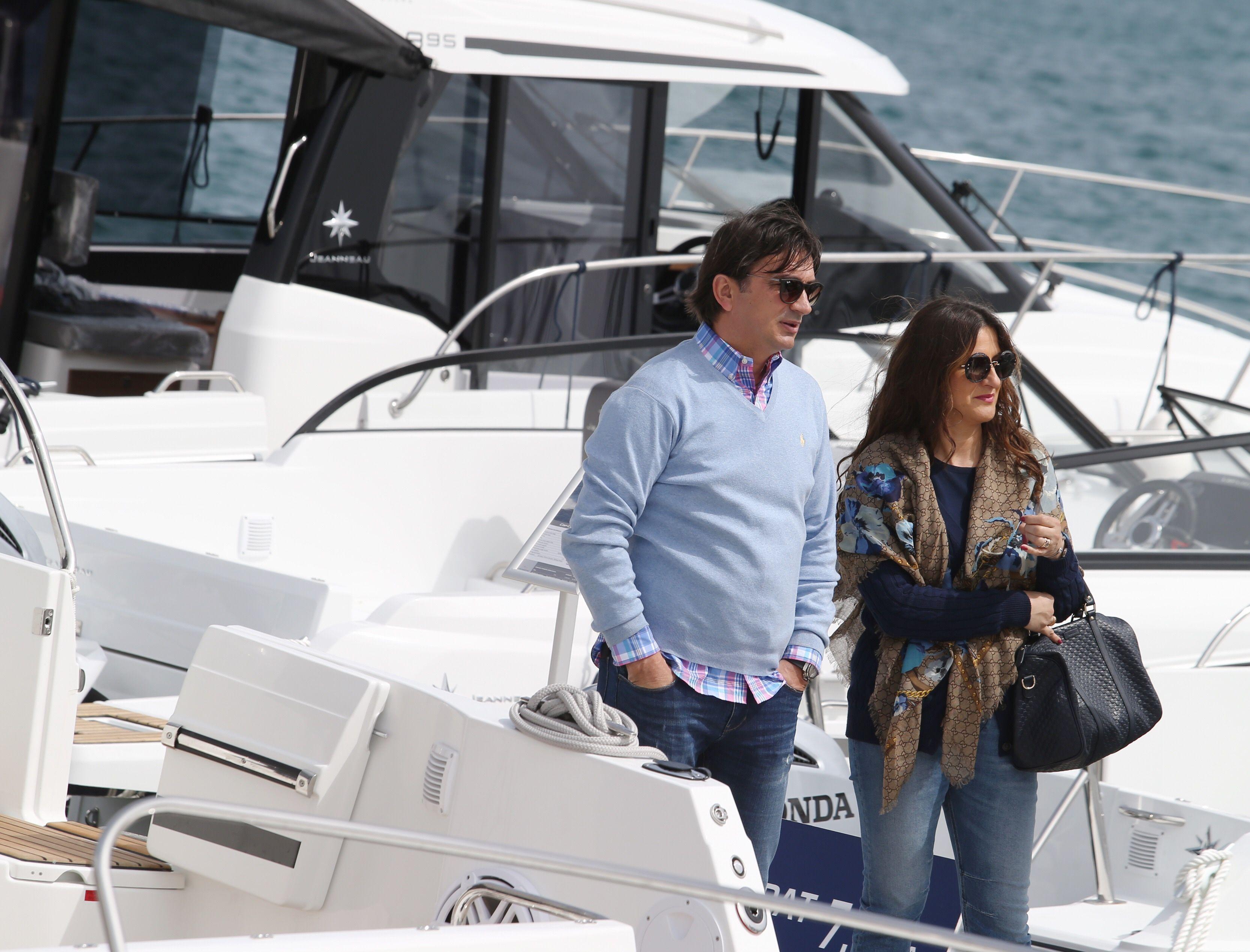 Ne viđamo je često: Zlatko Dalić sa stylish suprugom Davorkom razgledavao brodove