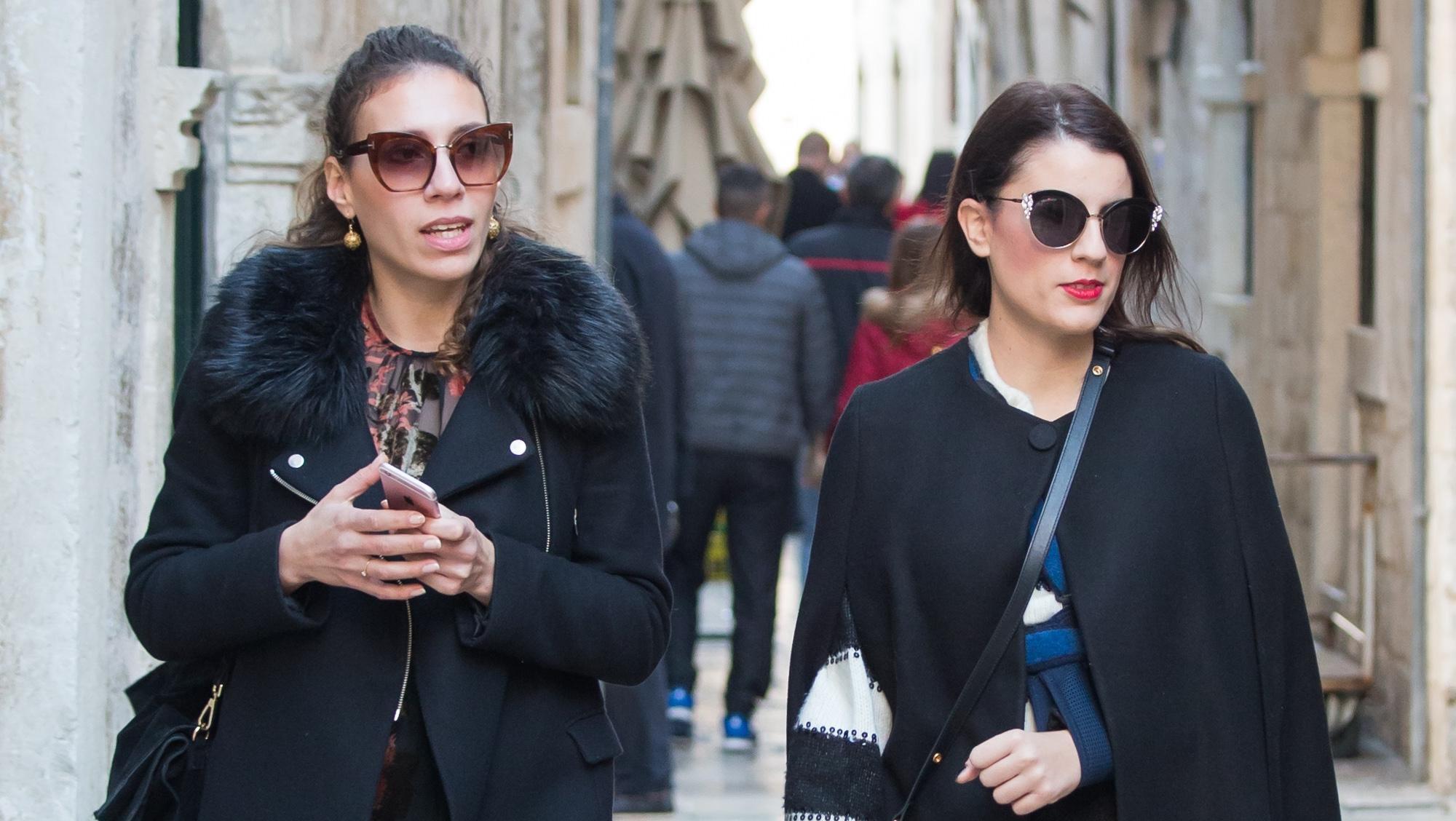 Učite od njih: Dvije prijateljice savršeno isfurale trendove, a ipak ostale svoje!
