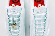 Nike je lansirao tenisice koje 'krasi' raspelo s Isusom i sveta vodica, a cijena im je bizarno visoka!
