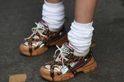 Sviđalo vam se ili ne, bijele čarape se vraćaju u modu... Cure ih nose uz tenisice, mokasinke, čak i balerinke i štikle!