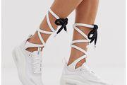 Novi neobični komad iz omiljenog online shopa: Nike čarape na vezanje!