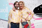 Jako slatko! Snježana Mehun i mladi dizajner obukli identične košulje na žute piliće