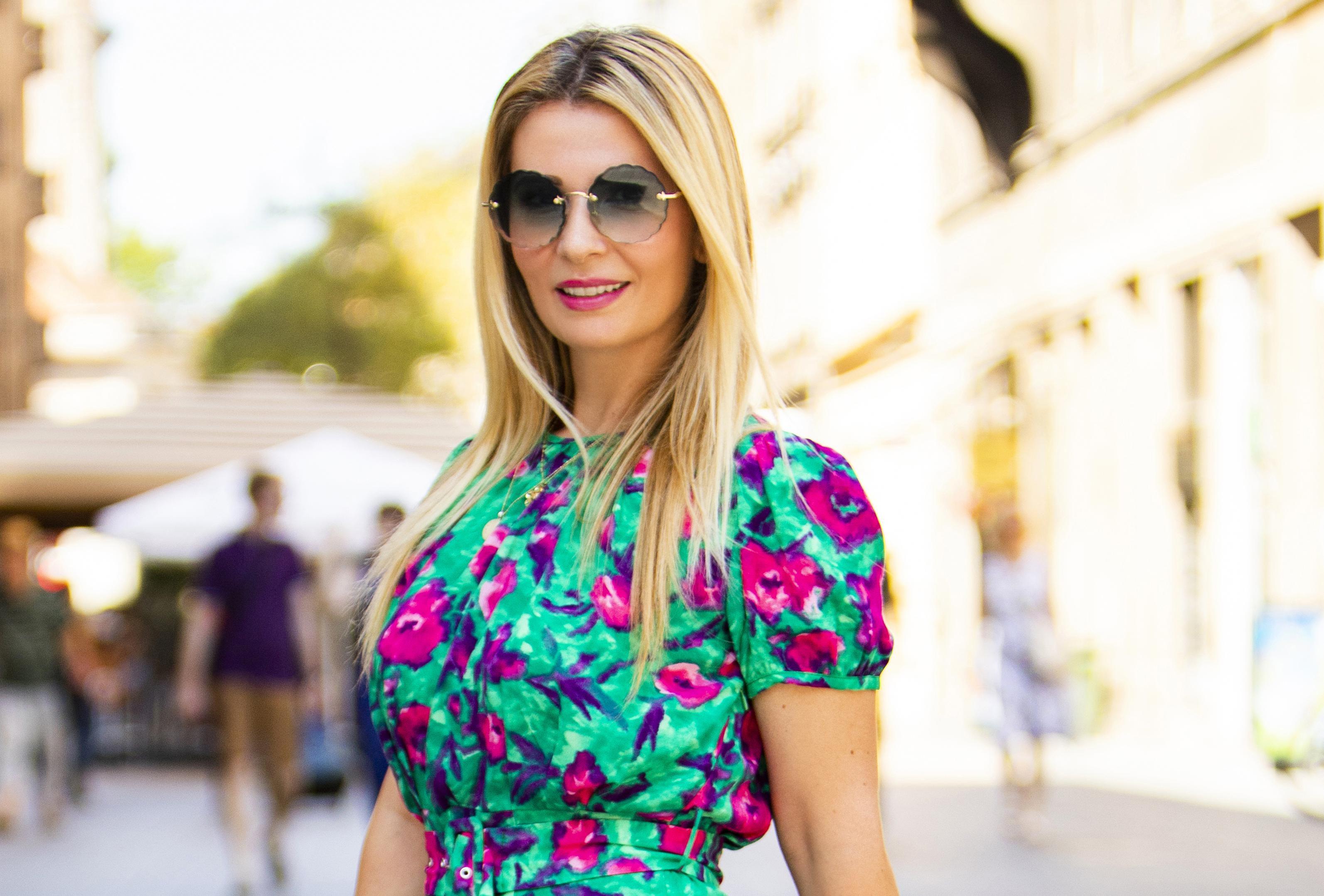 Odvjetnica izvrsnog stila nosi torbu koja je nekad bila veliki hit, a trendseterice je opet obožavaju