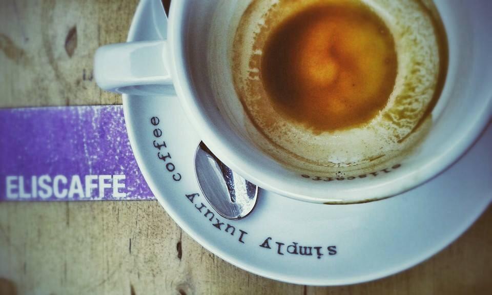 U prolazu: Elis caffe