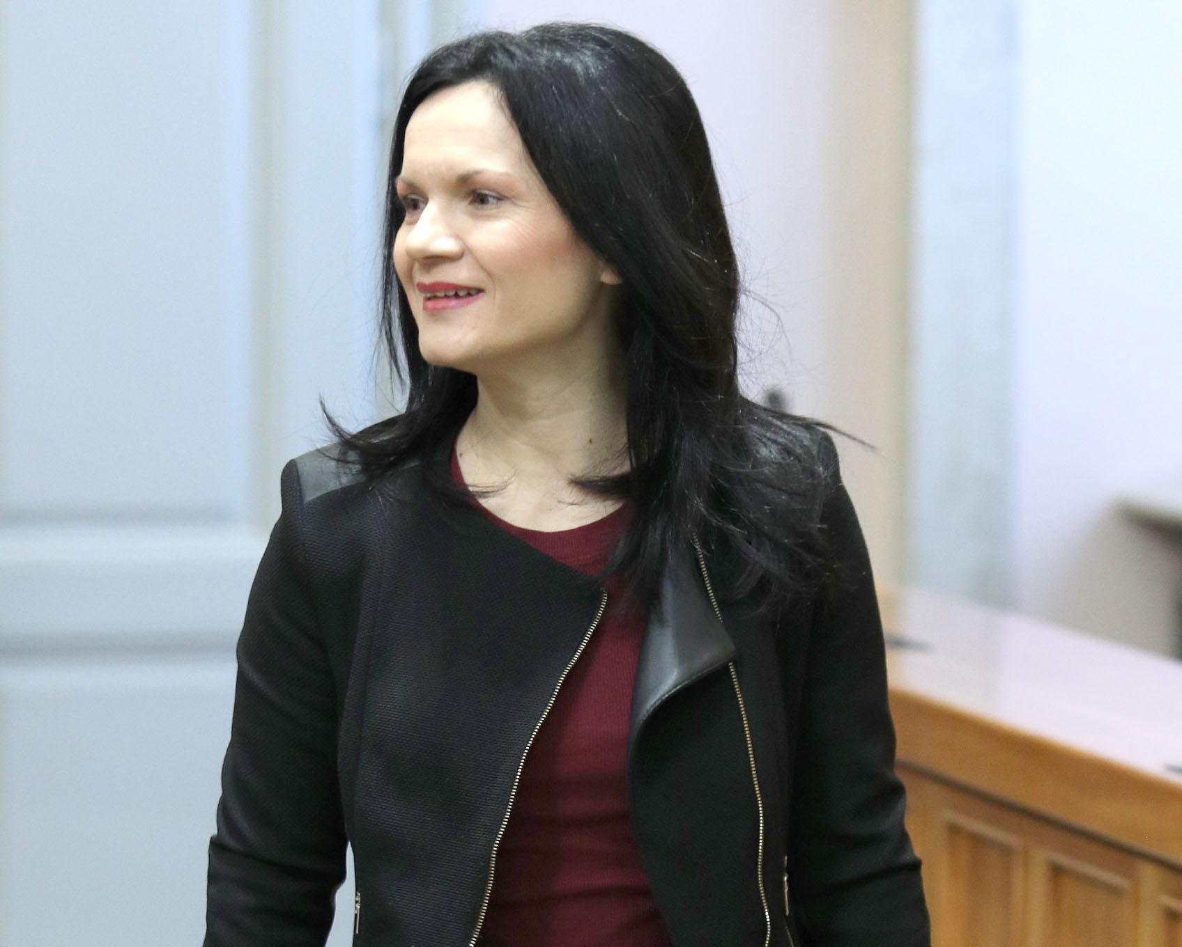 Zastupnica Marija Jelković u Saboru se pojavila u pripijenoj haljini