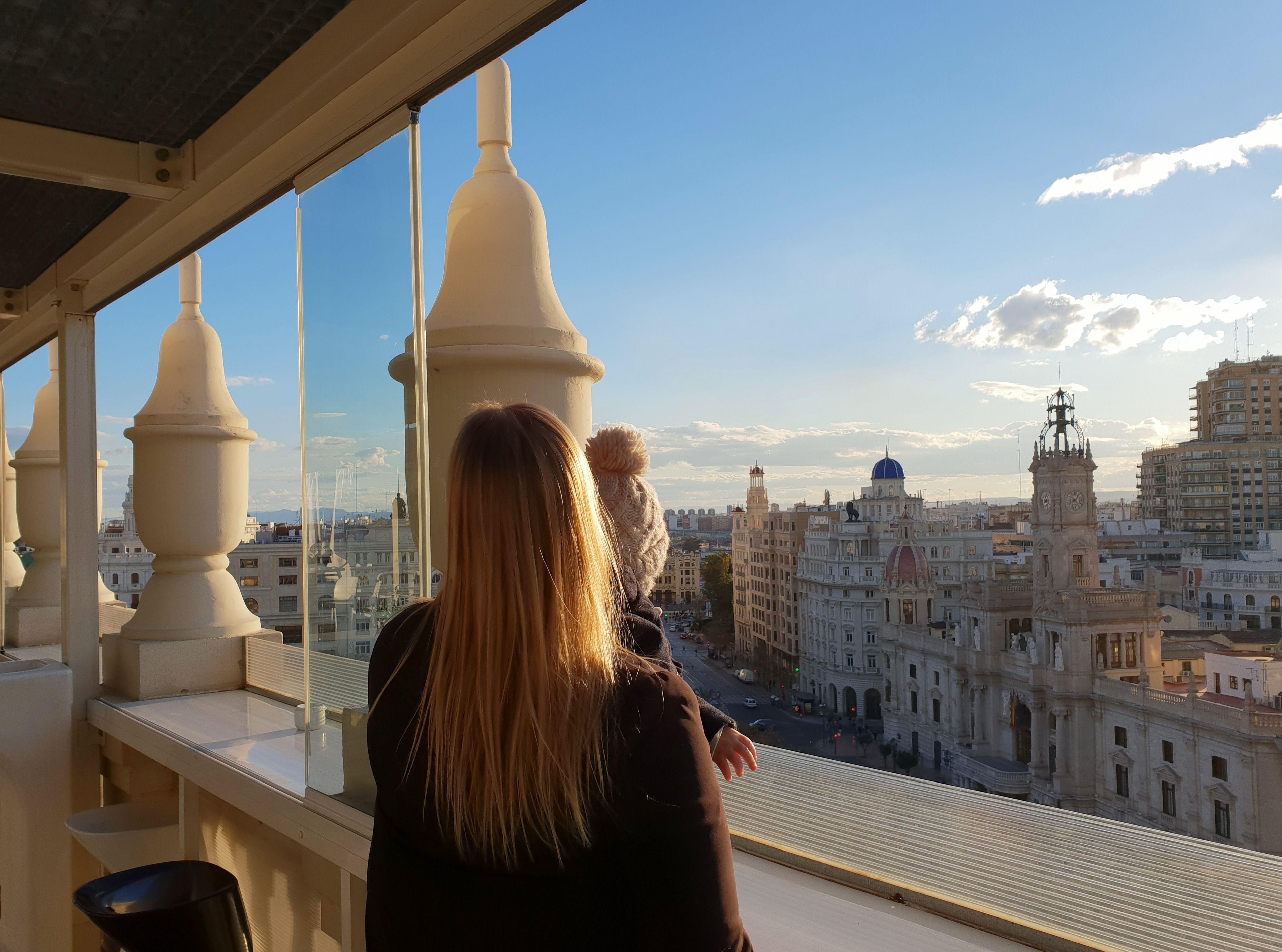 """Iva je s mužem i 10-mjesečnim Lenonom putovala u Valenciju, a poručuje: """"Odvažite se i stvorite nove uspomene s djecom"""""""