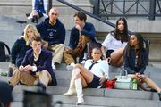 Počelo je snimanje reboot verzije popularne Gossip Girl: Pogledajte snimanje prvih kadrova na stepenicama Metropolitana