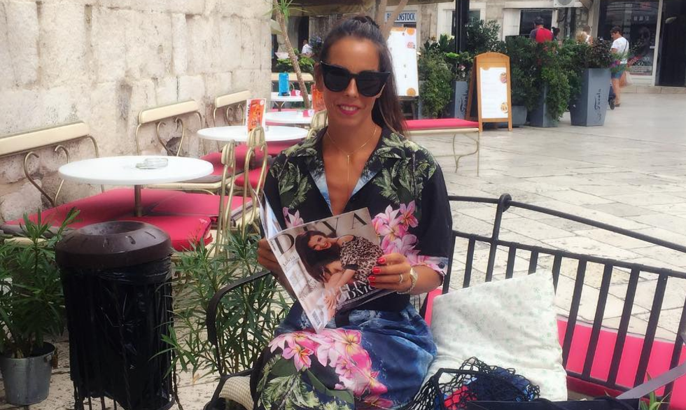 Olja Vori odmara se u Splitu, naravno, uz novi broj Dive