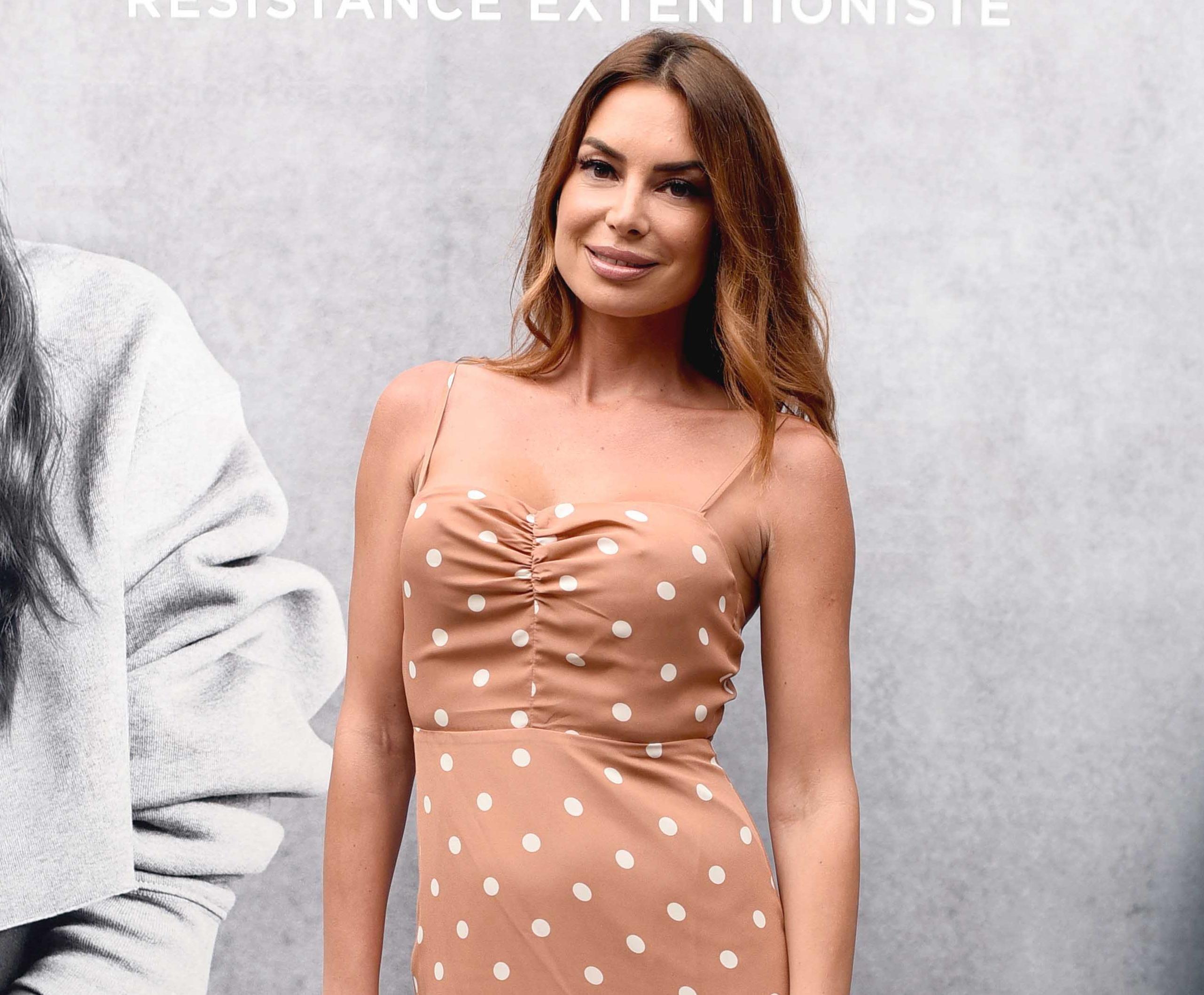 Iva Jerković ispod haljine ne nosi ništa - i izgleda spektakularno!