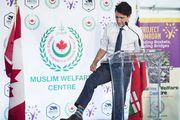 Omiljeni modni detalj kanadskog premijera: Nigdje bez šarenih čarapa!