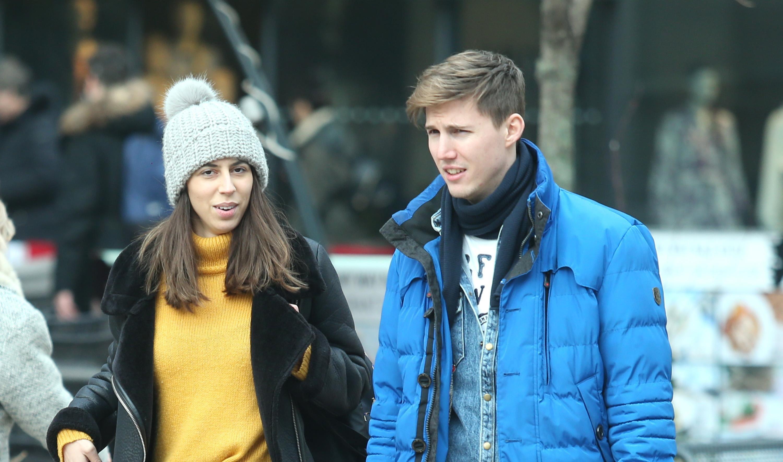 Savršen par! Ona u najtraženijim čizmama, a on u trendi jakni