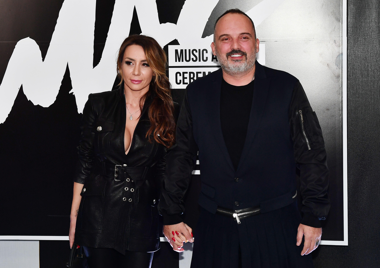 Rijetko je vidimo: Supruga Tonyja Cetinskog plijenila pozornost u izazovnom outfitu, a i njegov je styling iznenadio