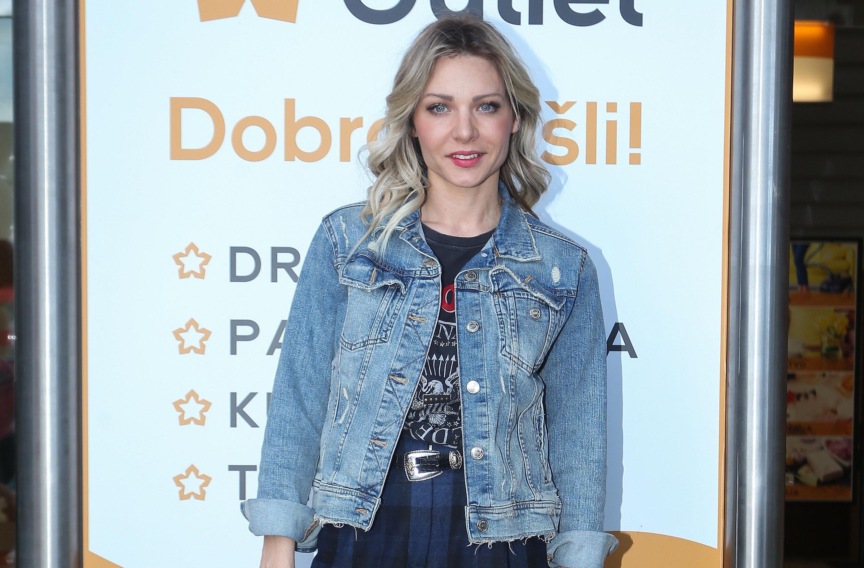 Lijepoj Anji Alavanji dobro stoji rokersko izdanje, a hlače su joj jako trendi!