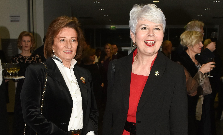 Čista petica: Jadranka Kosor iznenadila u dugoj crvenoj haljini!