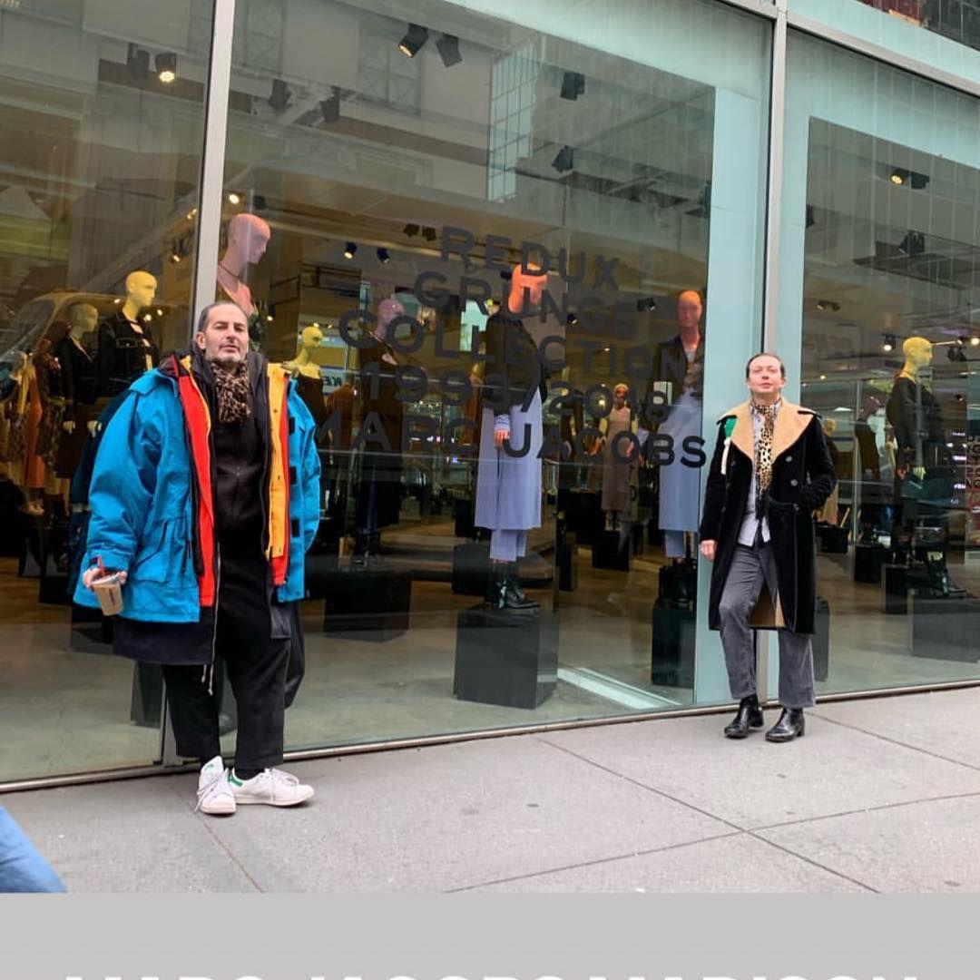 Marc Jacobs nosi PREdimenzionirani kaput koji ima čak i svoj meme, a super se i našalio s njim!