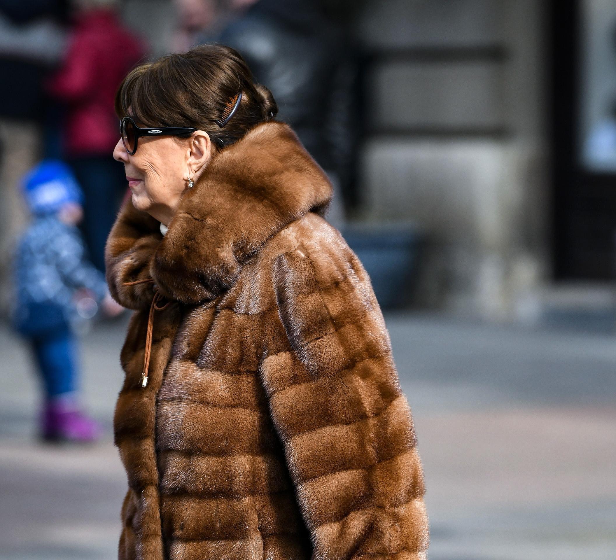 Prava modna inspiracija: Od ove divne, divne dame svi možemo mnogo toga naučiti o modi i stilu!