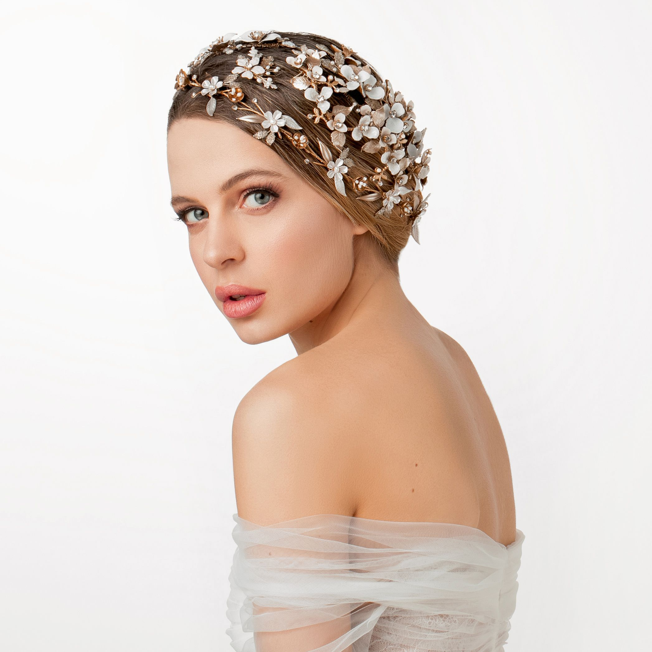 Stigla je nova kolekcija Perlet ukrasa za kosu i izgleda najlljepše do sad!