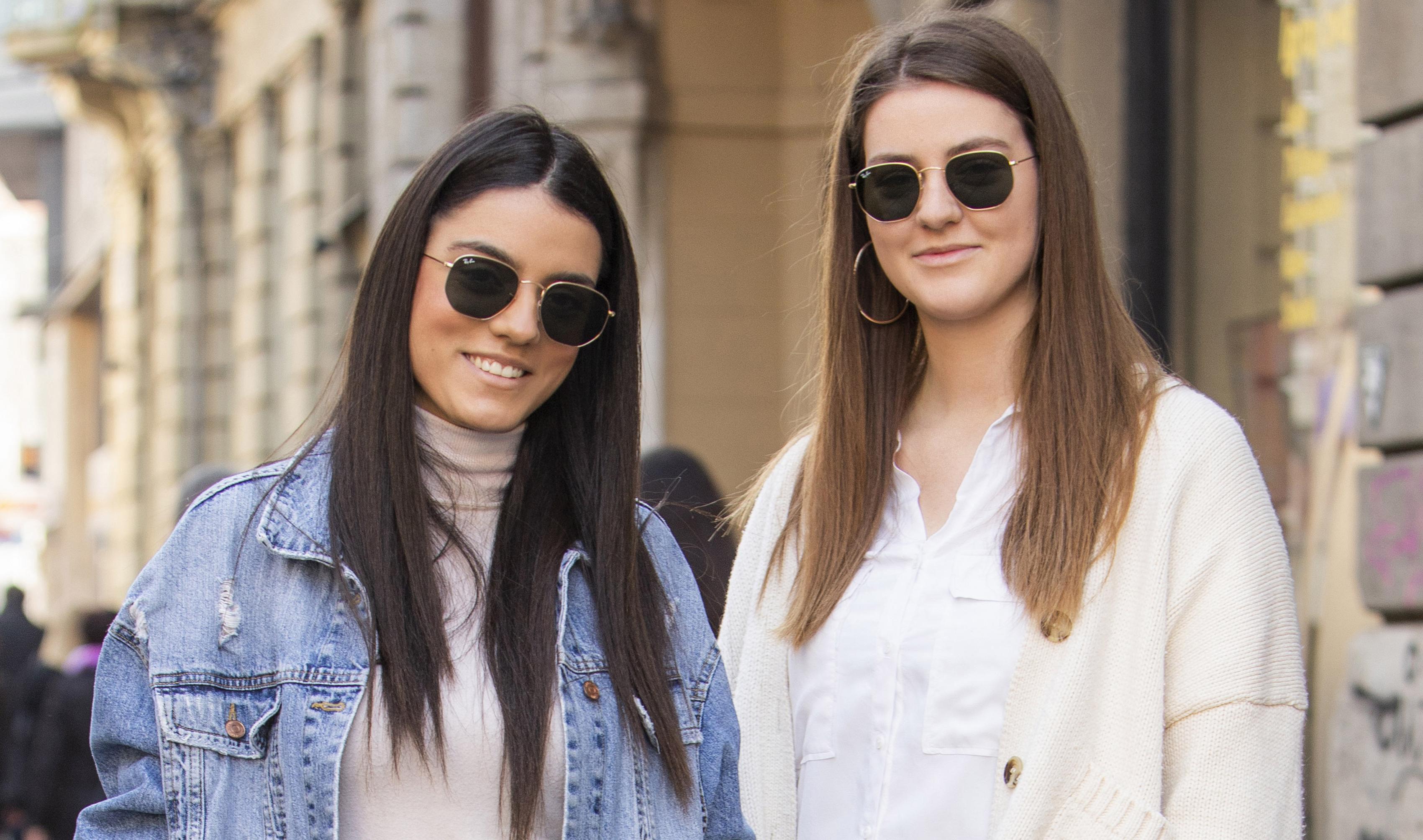 Jedna u efektnim čizmama, druga u trendi tenisicama: 'Često razmjenjujemo garderobu i uvijek idemo zajedno u šoping'