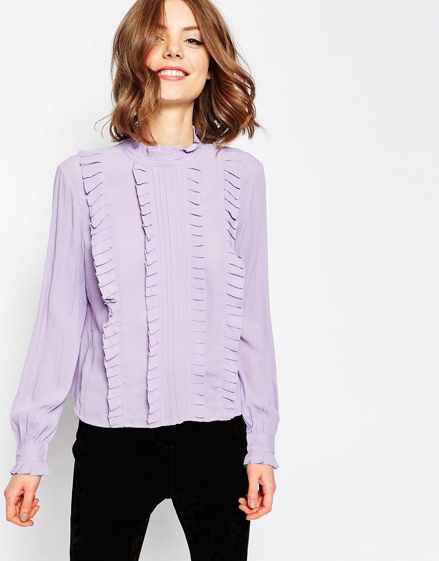 9 romantičnih košulja s volanima za poslovni look