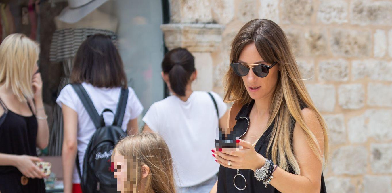 Lijepa mama iz Dubrovnika pokazala zašto je mala crna haljina uvijek hit!
