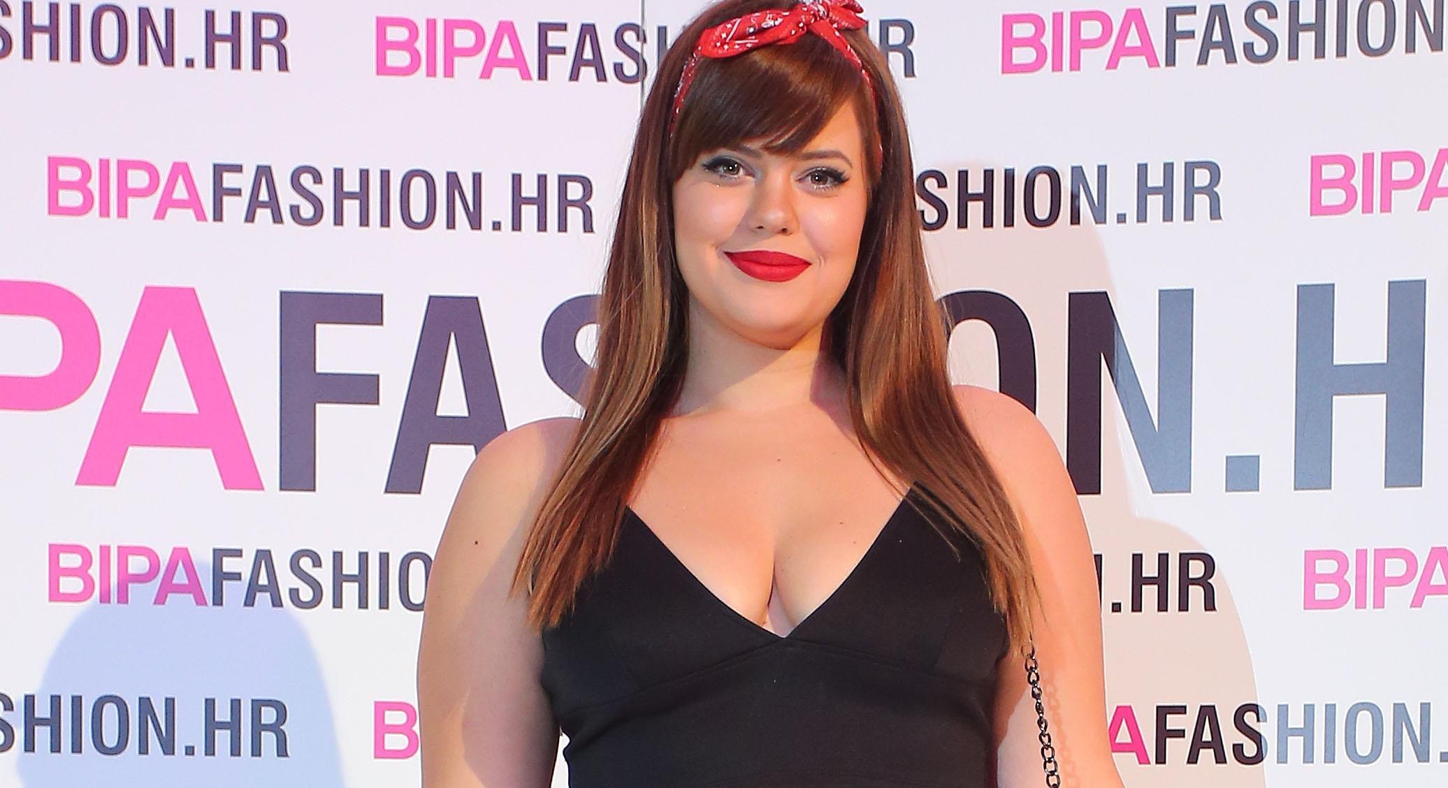 Lucija Lugomer pojavila se na zadnjoj večeri BIPA Fashion.hr-a u minijaturnom topiću