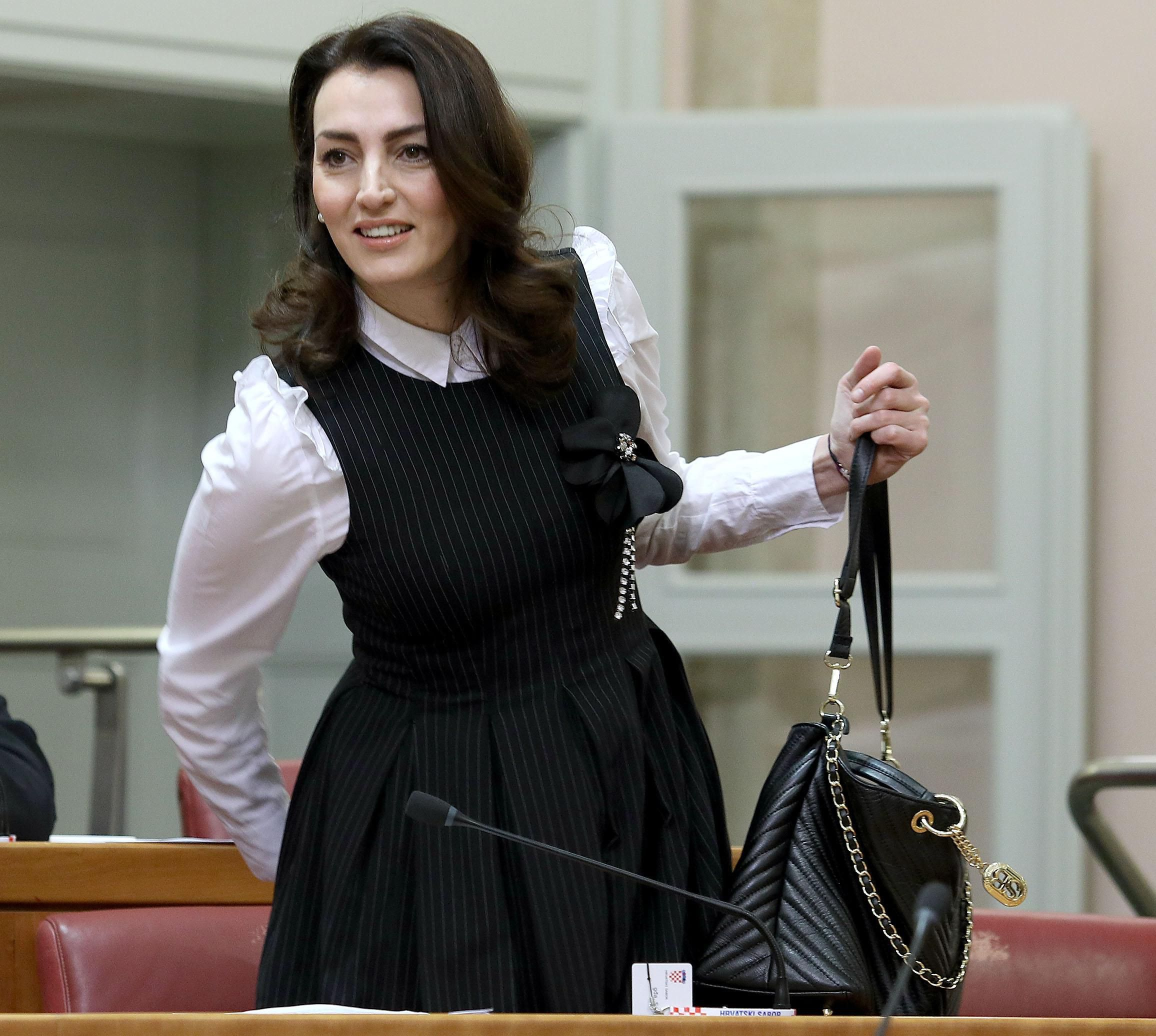 Saborska modna pista: Pogledajte promjenu u stilu odijevanja zastupnica