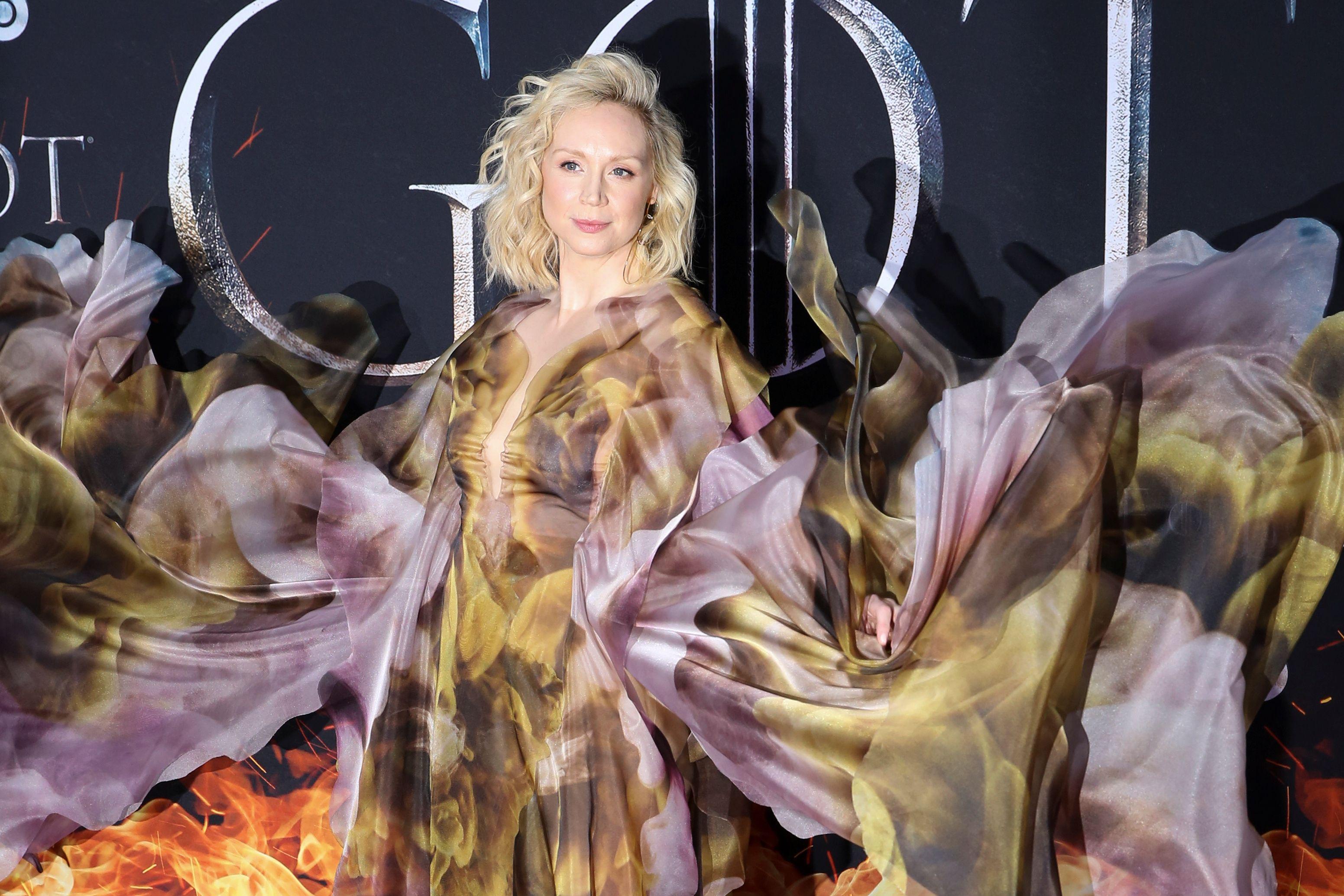 Brienne od Tartha iz serije Igra prijestolja sinoć je na premijeri nosila najdramatičniju haljinu ikada
