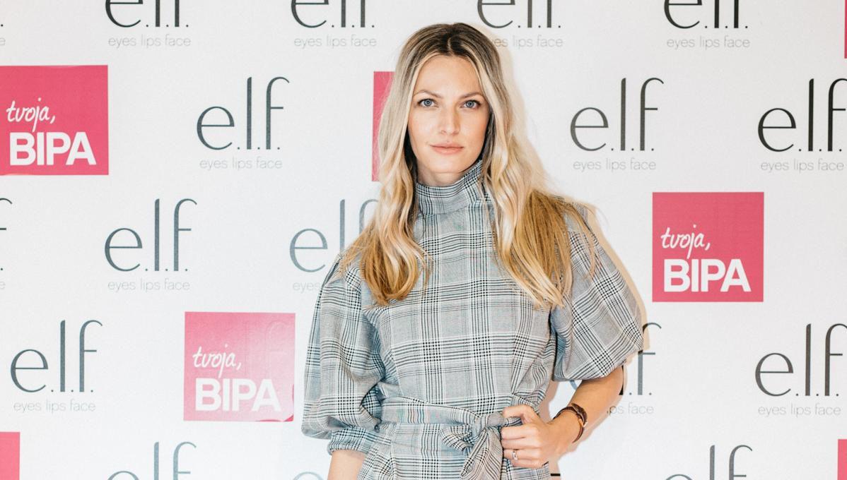 Predivna Lidija Lešić nosi savršenu kariranu haljinu koju ćete odmah poželjeti