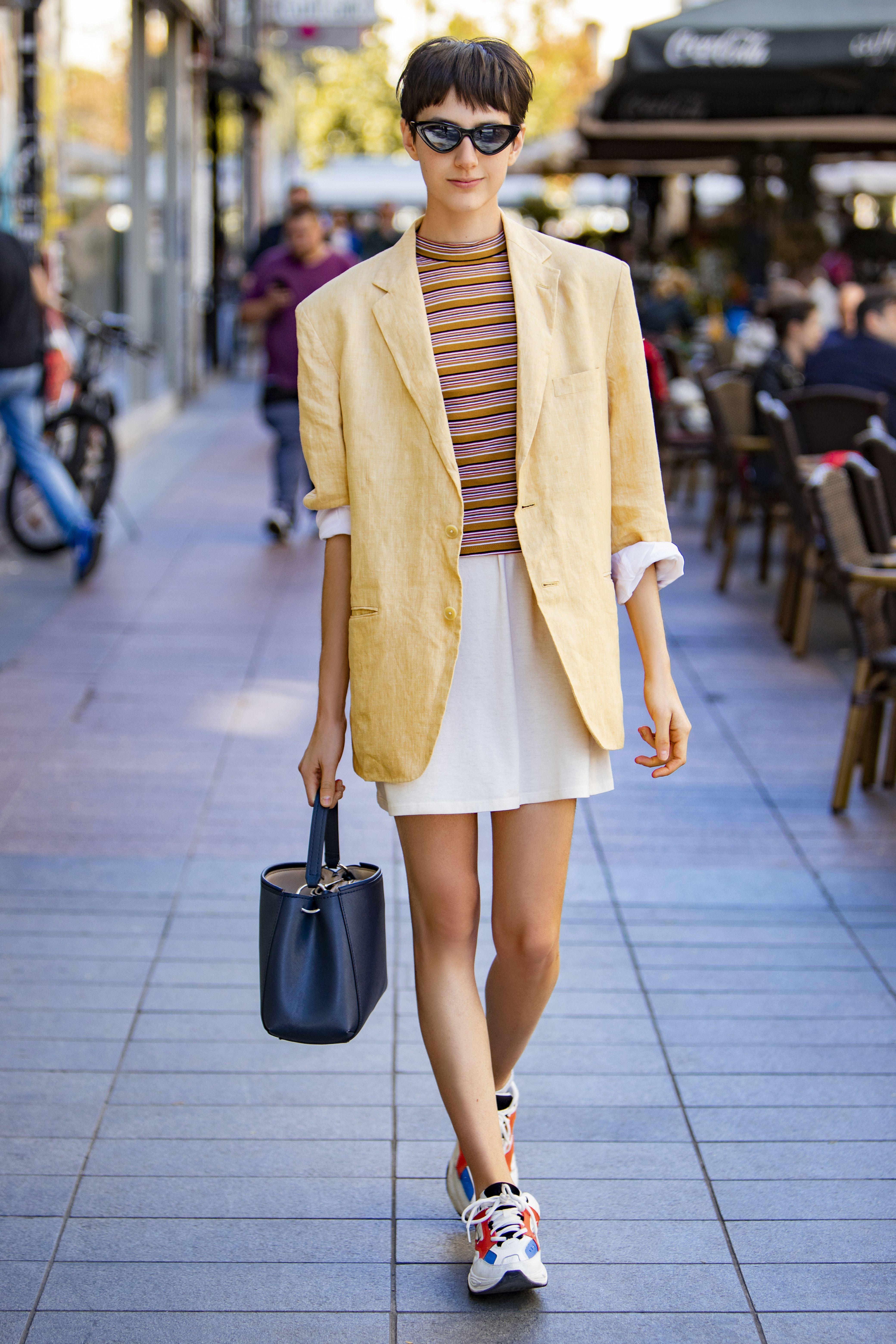 U cool sakou ova ljepotica izgleda odlično: 'Volim ih krasti od tate jer mi je draže nositi tipične muške sakoe'