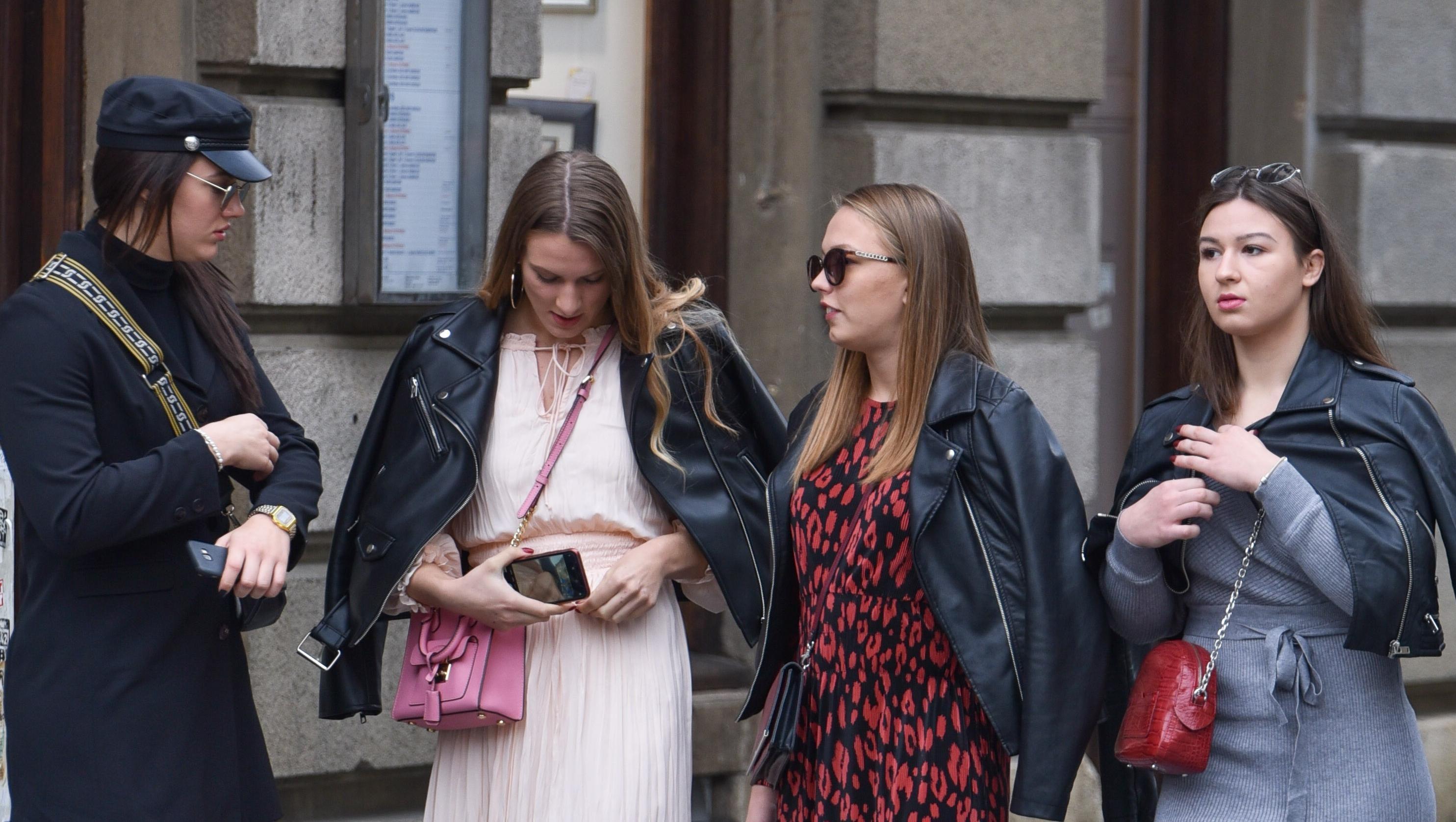 Zagrebački Seks i grad: Četiri stylish prijateljice prošetale su Cvjetnim trgom u super izdanjima